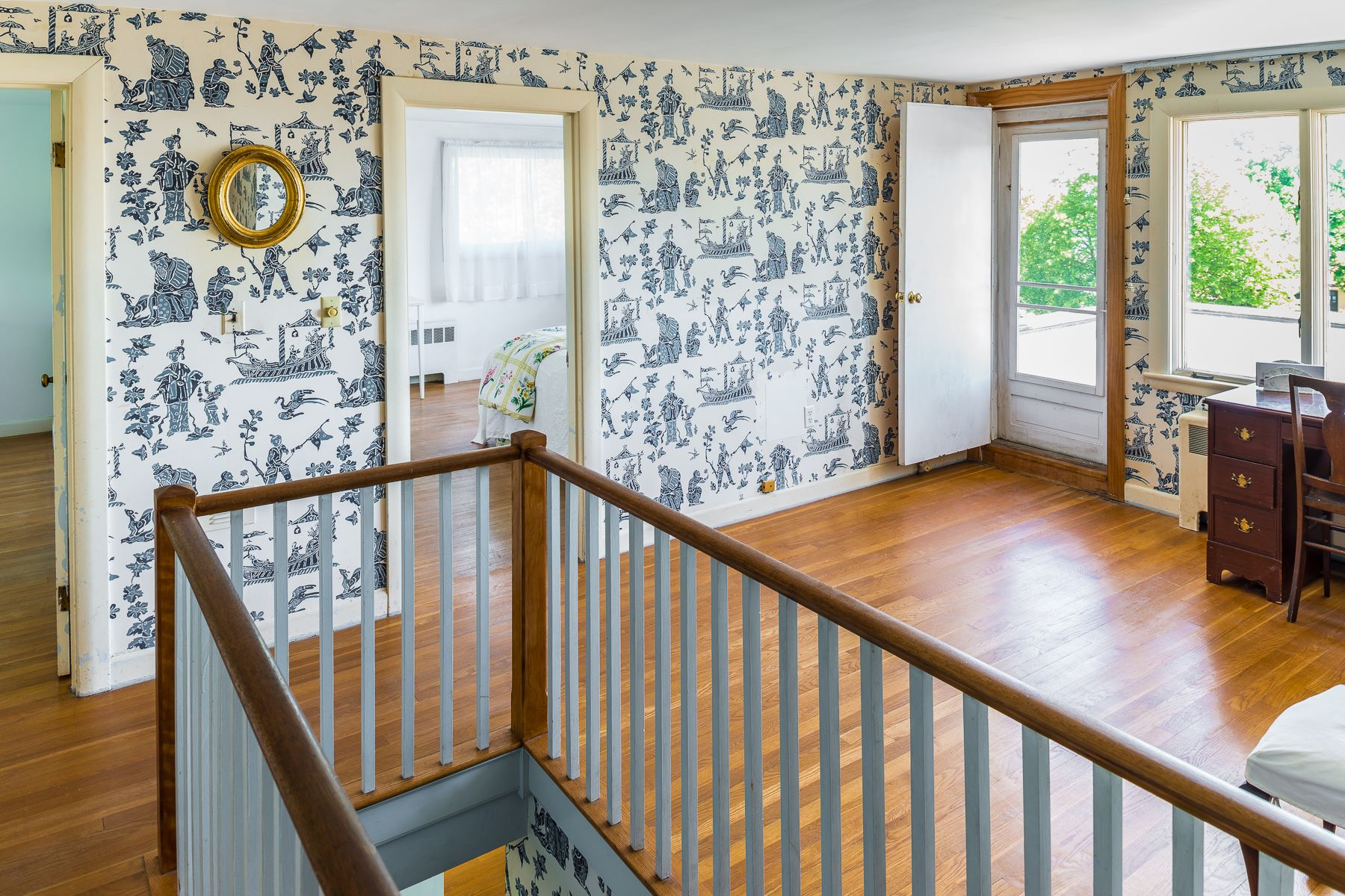 Additional photo for property listing at Classic and Stately 5BR/4BA Colonial with Dazzling Ocean Views 312 Ocean Avenue Marblehead, Massachusetts 01945 United States