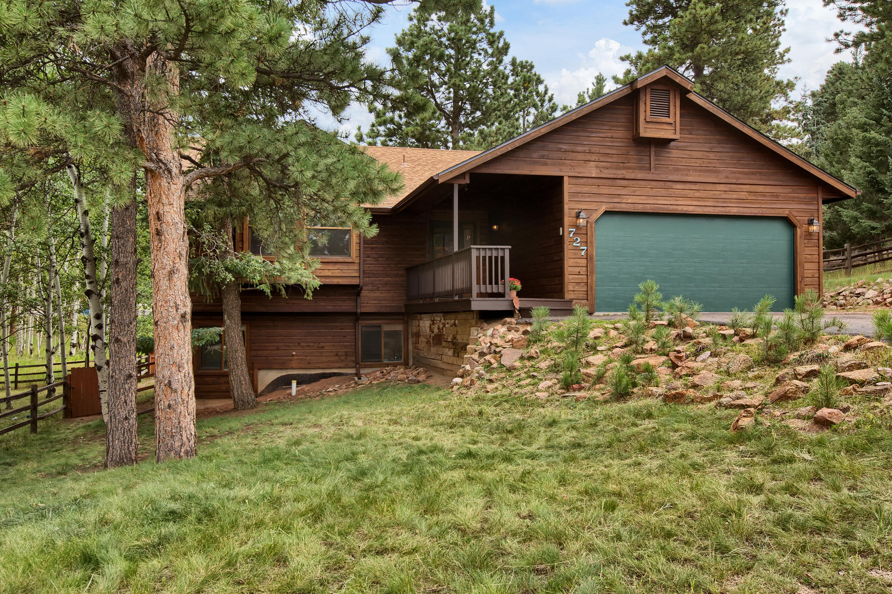 Single Family Homes for Active at Centrally-located ranch home on a cul-de-sac offers a host of new improvements 727 Pinon Ridge Dr. Woodland Park, Colorado 80863 United States