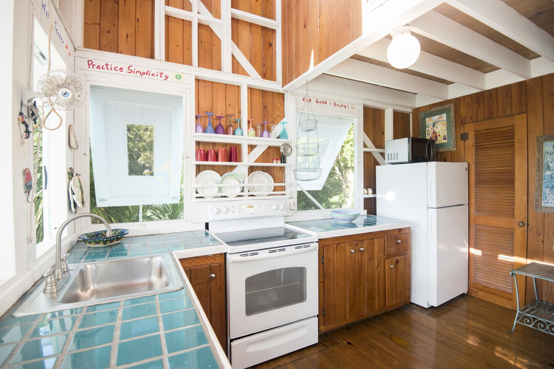 Additional photo for property listing at Coconut Cottage Abaco Ocean Club, Lubbers Quarters, Abaco Bahamas