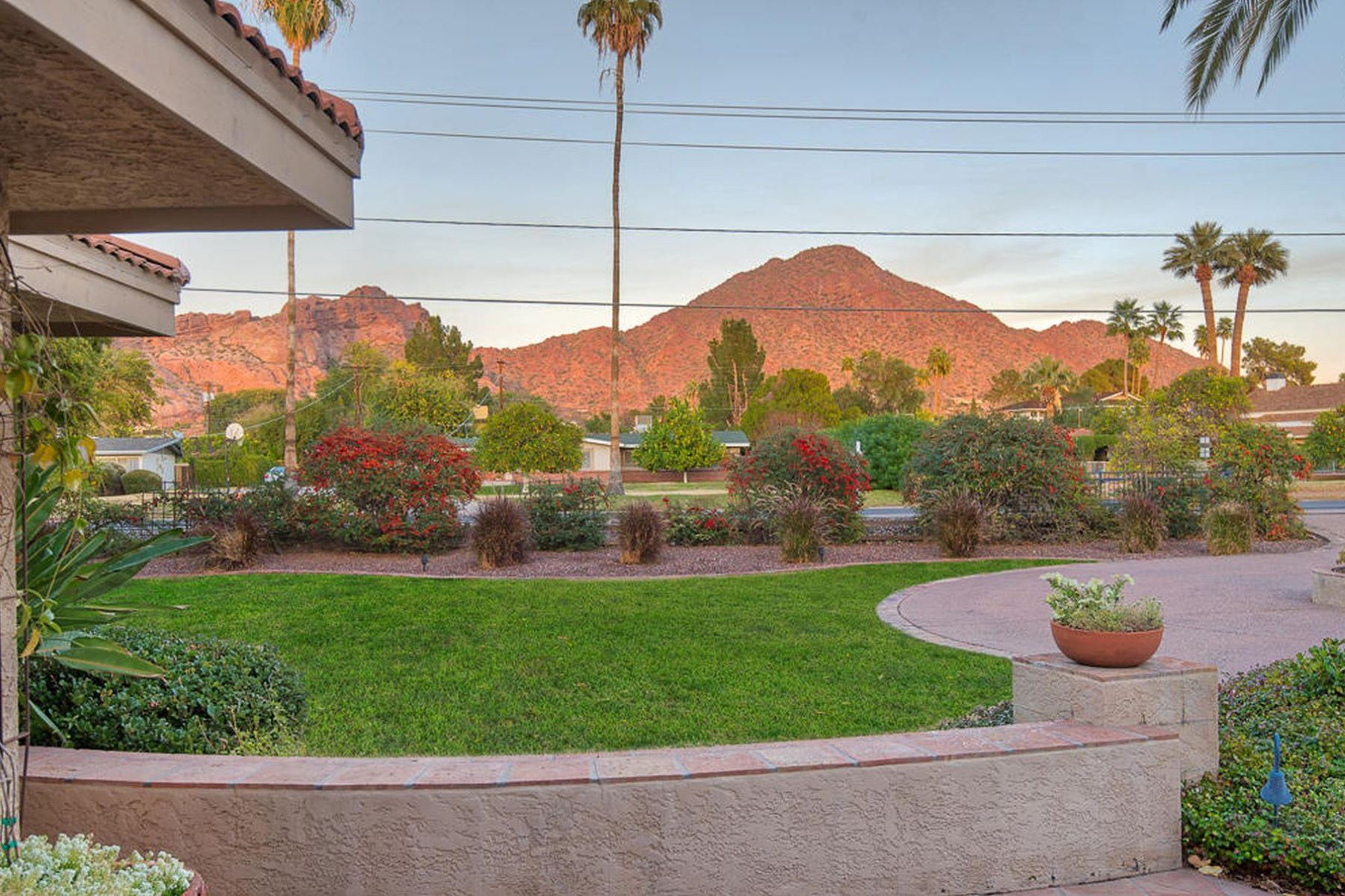 Single Family Home for Sale at Wonderful family home with Camelback mountain view 4565 E Lafayette Blvd, Phoenix, Arizona, 85018 United States