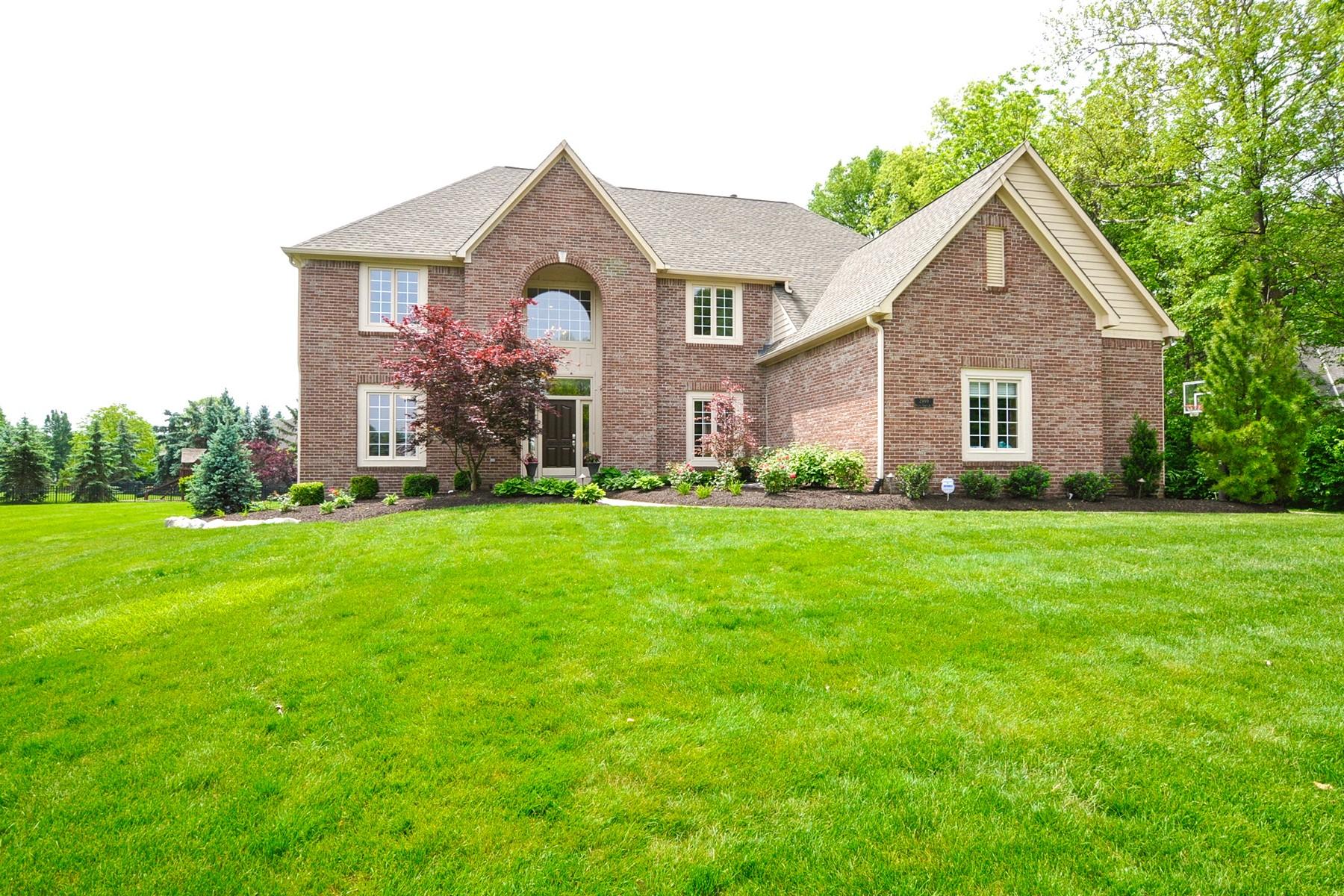 단독 가정 주택 용 매매 에 Beautifully Updated Home 2999 Walnut Creek Drive Carmel, 인디애나, 46032 미국