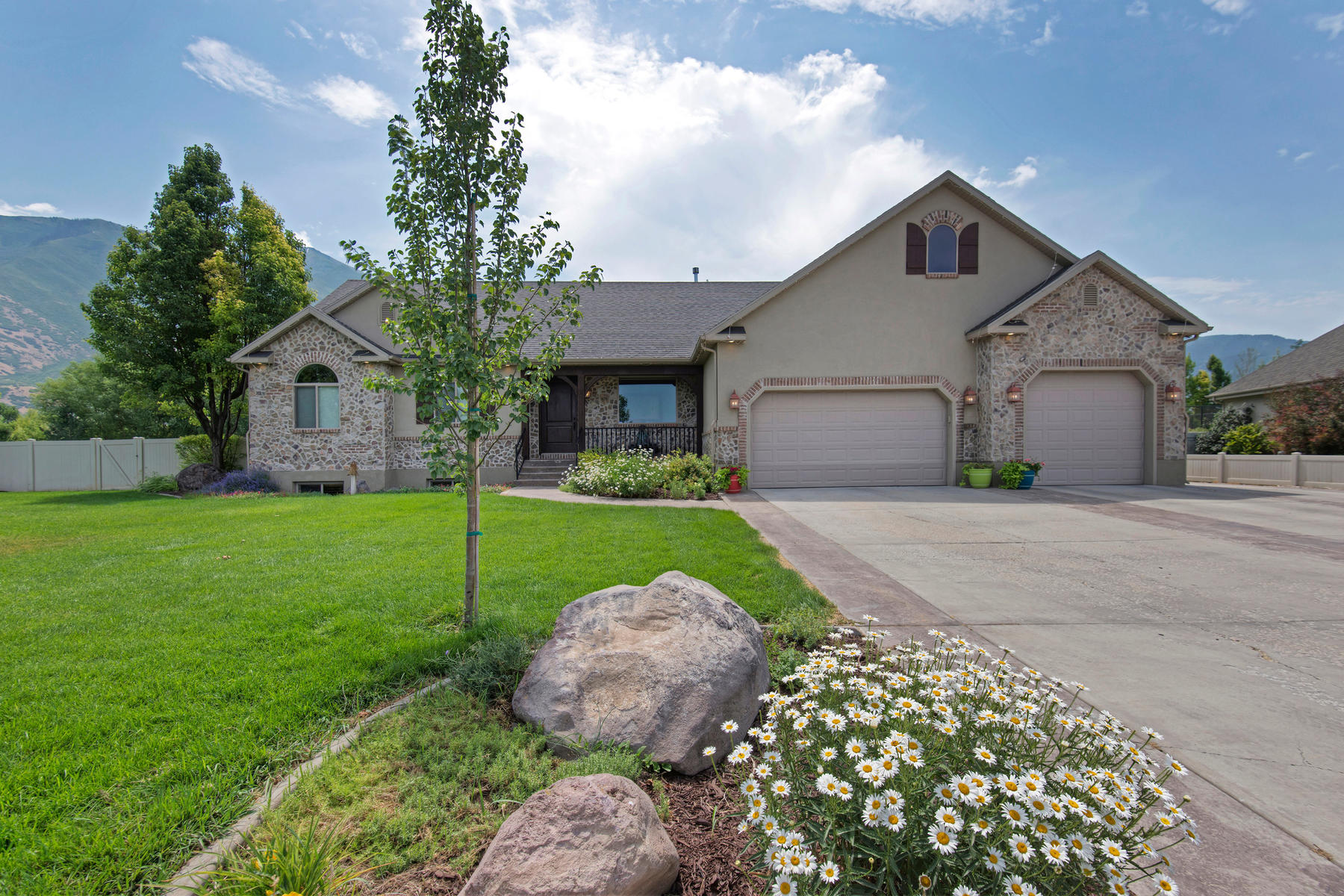 Single Family Home for Sale at Beautiful Home With a Large Detached Garage in Mapleton 679 W Monta Vista Dr Mapleton, Utah, 84664 United States