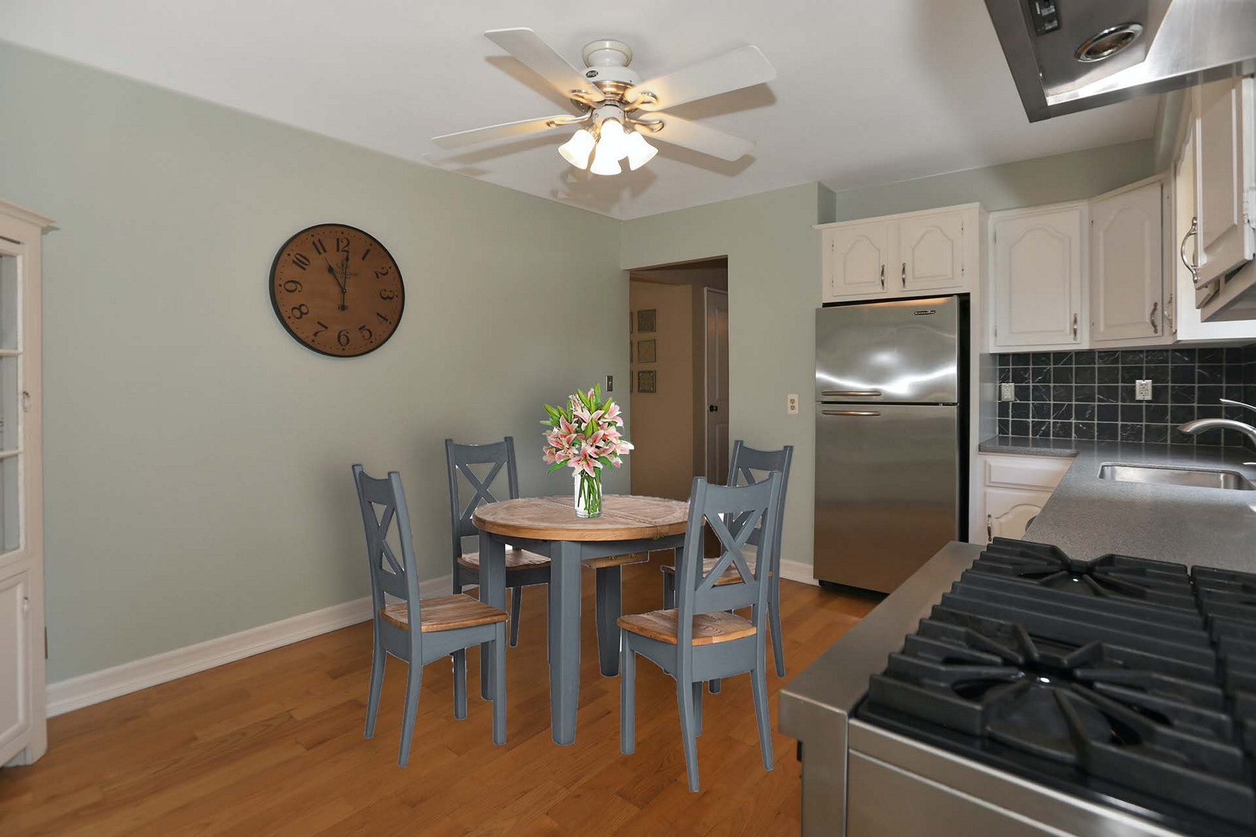Single Family Homes for Sale at Adorable Gem! 77 Knickerbocker Ave Hillsdale, New Jersey 07642 United States