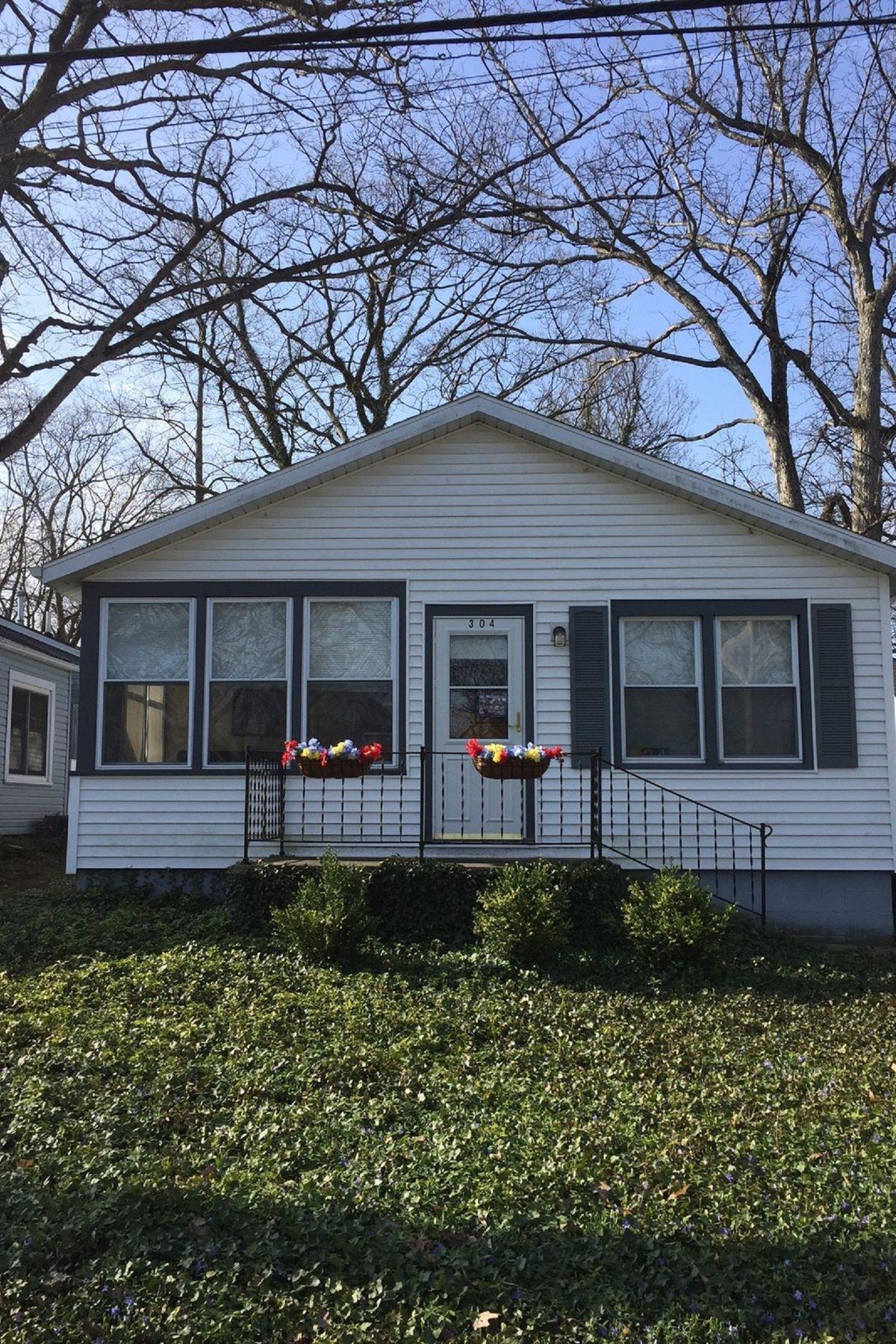 Single Family Home for Sale at 304 E. Sixth Street 304 E. Sixth Street Lakeside, Ohio 43440 United States