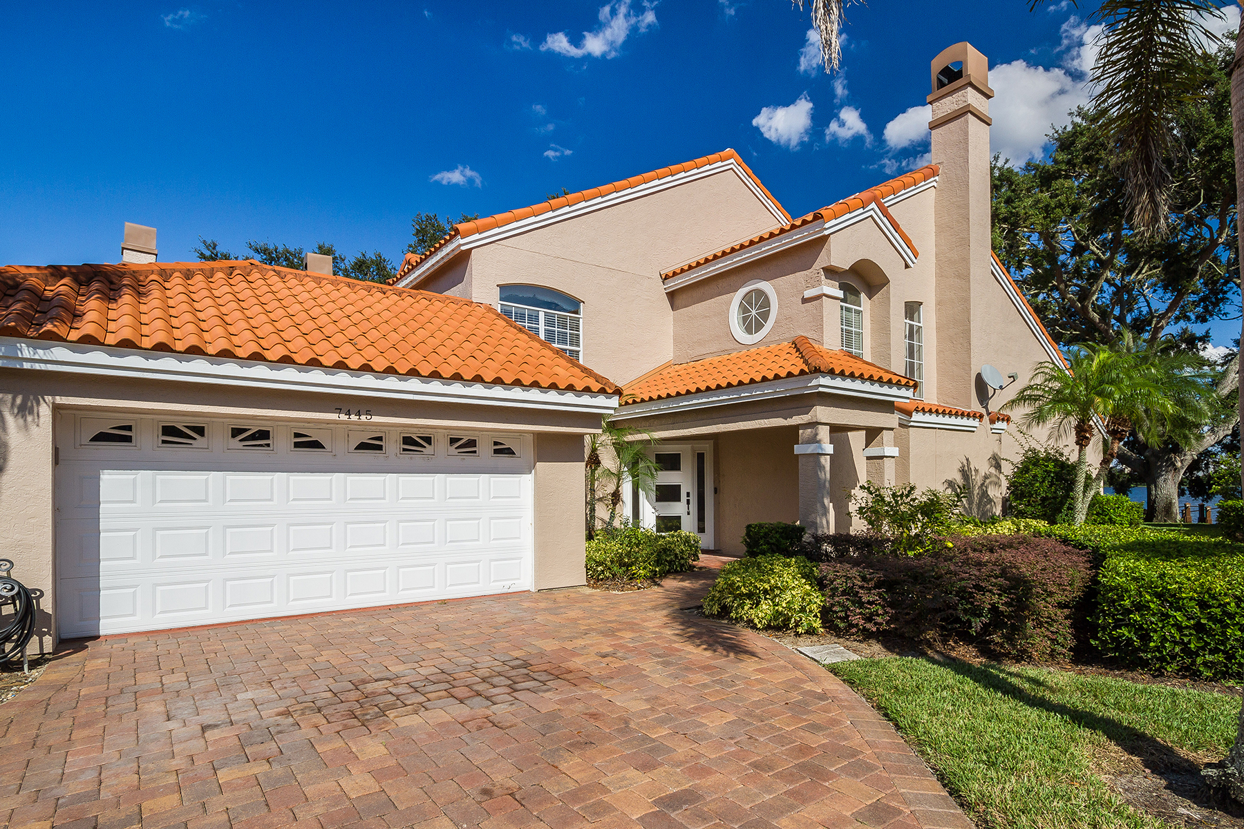 townhouses for Sale at 7445 Somerset Shores Ct Orlando, Florida 32819 United States