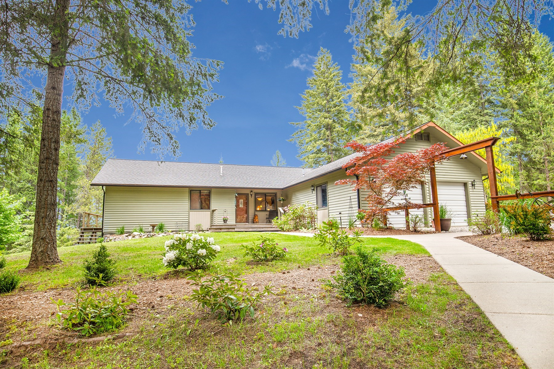 Single Family Home for Active at Sourdough Home w/ Shop on 2.7 Acres 611 Gold Hill Sagle, Idaho 83860 United States