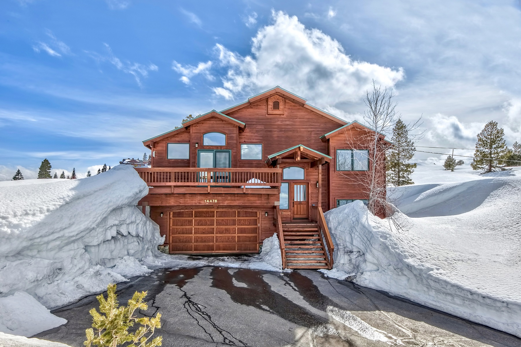 Single Family Home for Active at 14476 Skislope Way, Truckee, CA 14476 Skislope Way Truckee, California 96161 United States