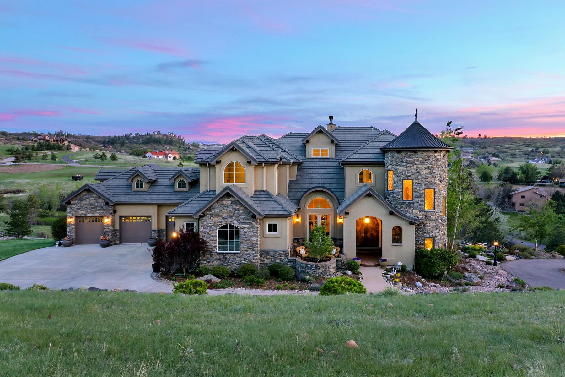 Villa per Vendita alle ore Stunning mountain views provide a backdrop for this custom built 7,765 sqft. 10714 Flatiron Rd, Lone Tree, Colorado, 80124 Stati Uniti