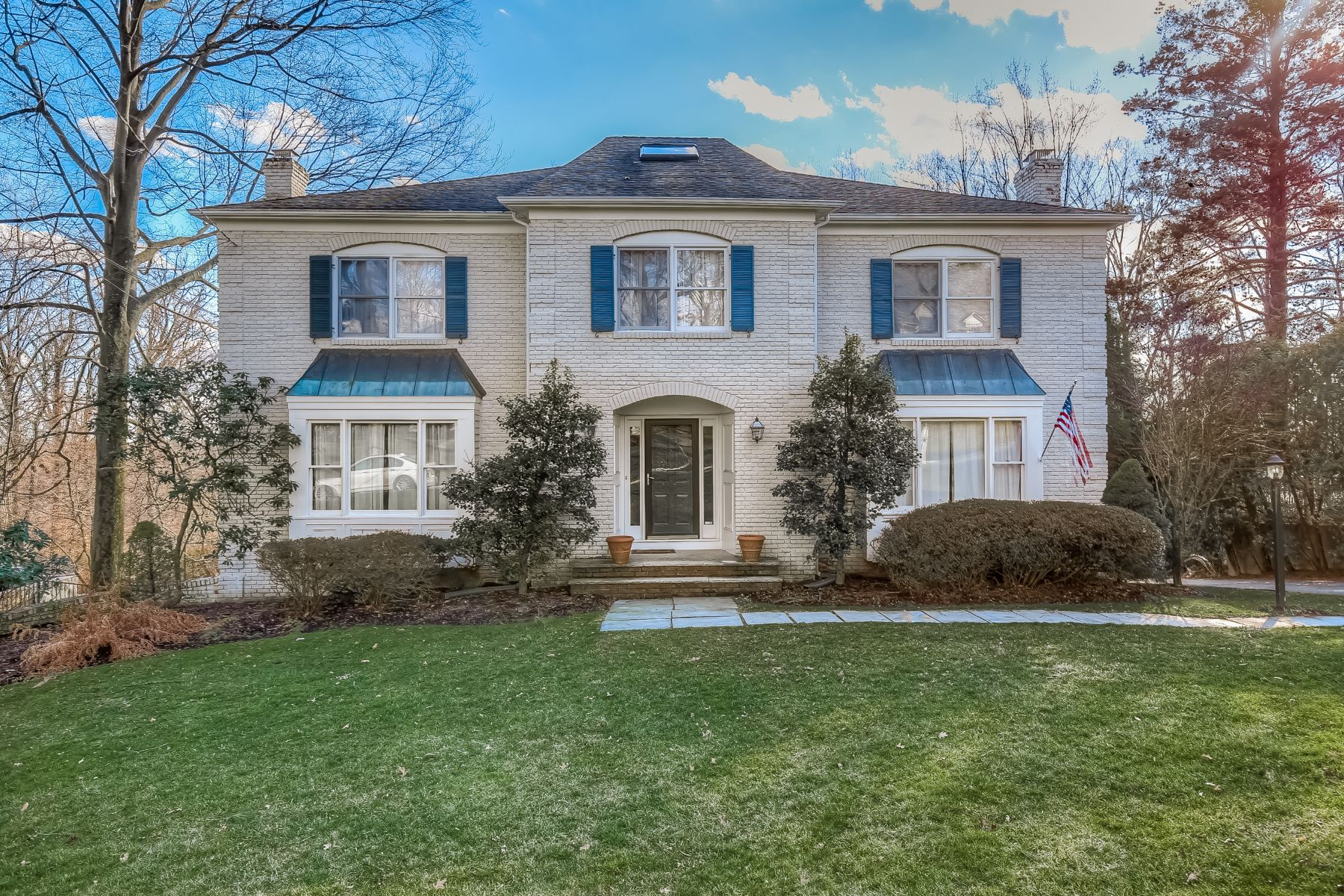 Single Family Home for Sale at Elegant Georgian Colonial 38 Spring Brook Road Morris Township, New Jersey 07960 United States