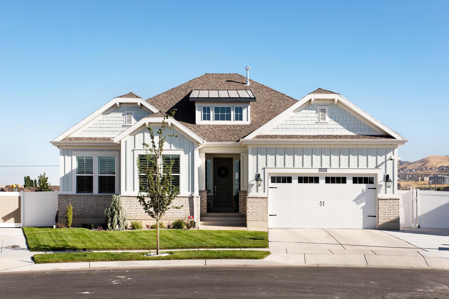Single Family Homes vì Bán tại Immaculate Craftsman-Style Home 2362 W Cranberry Ridge Rd, Lehi, Utah 84043 Hoa Kỳ