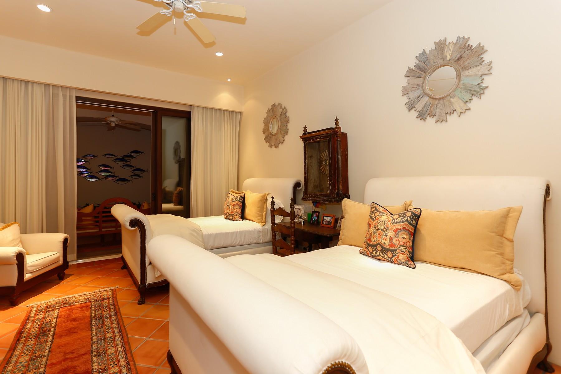 Additional photo for property listing at Villa de la Playa San Jose Del Cabo, Baja California Sur Mexico