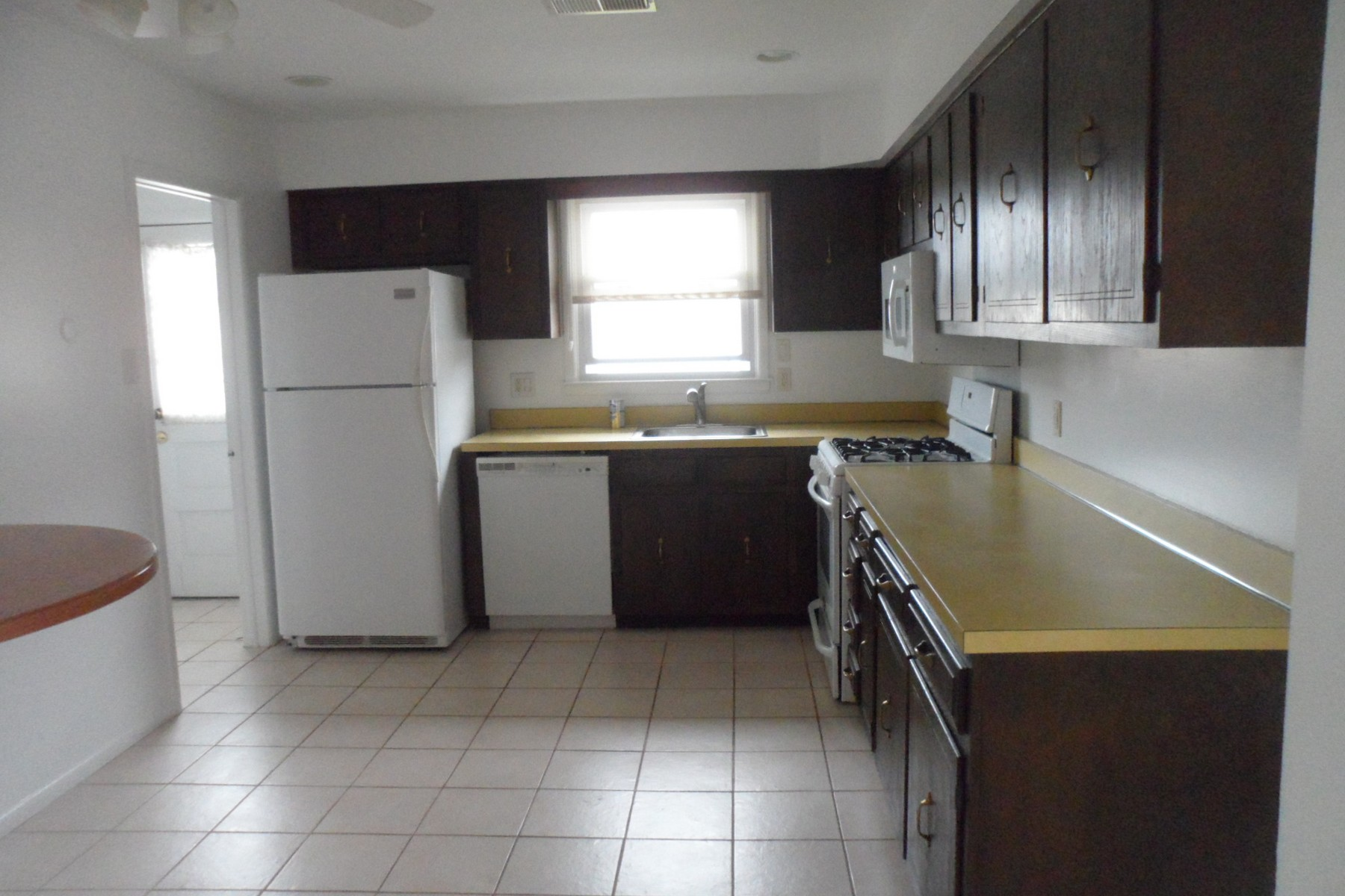 Additional photo for property listing at 447 Berkshire Drive  Ventnor, New Jersey 08406 États-Unis
