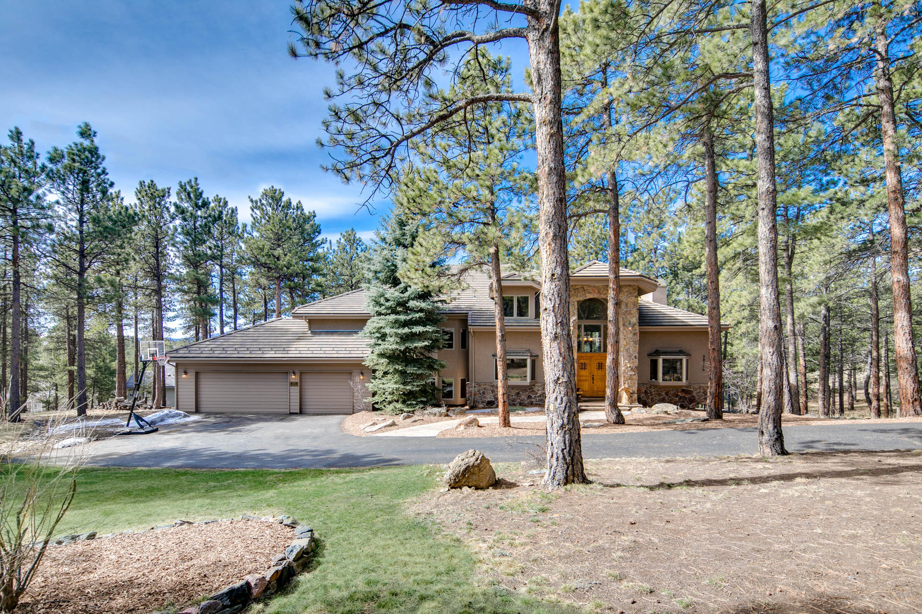 Single Family Home for Active at Private Mountain Home on a Tranquil 1.27 Acre Lot 29518 Gleneden Lane Evergreen, Colorado 80439 United States