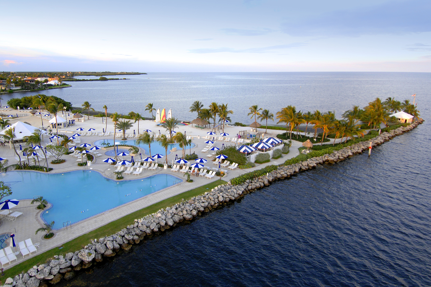 Additional photo for property listing at New Construction Home at Ocean Reef 17 Country Club Road Key Largo, Florida 33037 Estados Unidos