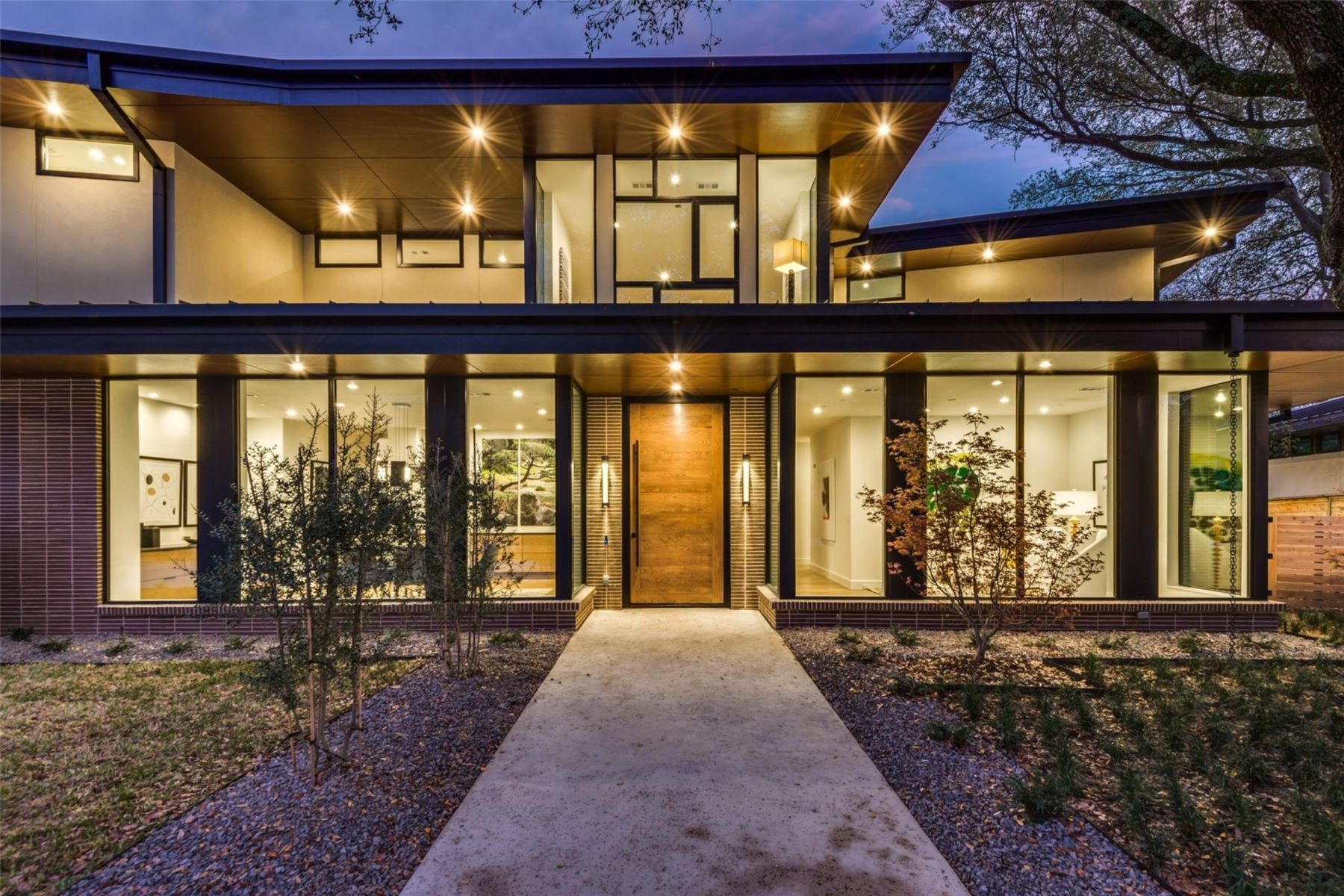 Single Family Homes for Sale at Thoughtfully Designed Entertaining Home 11468 Strait Lane Dallas, Texas 75229 United States