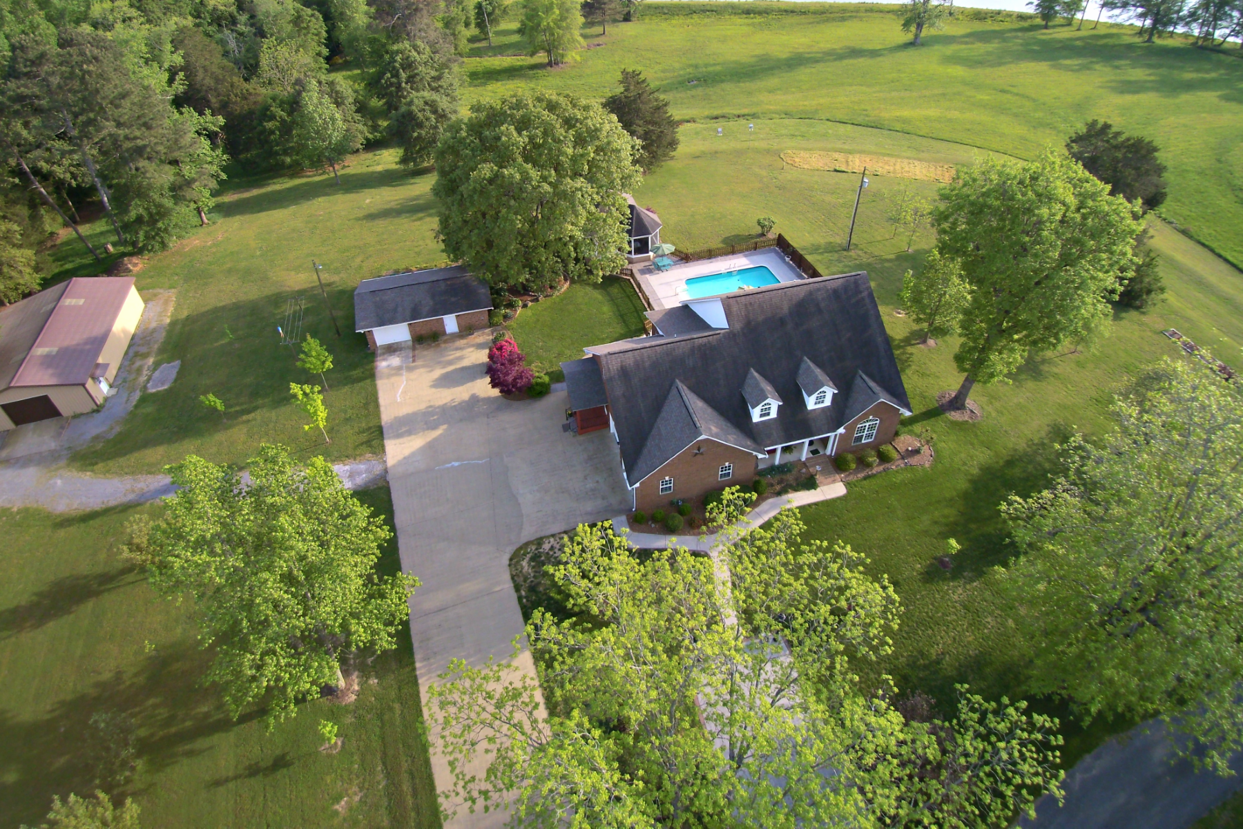 Single Family Home for Active at 77 Graves Road Union Grove, Alabama 35175 United States