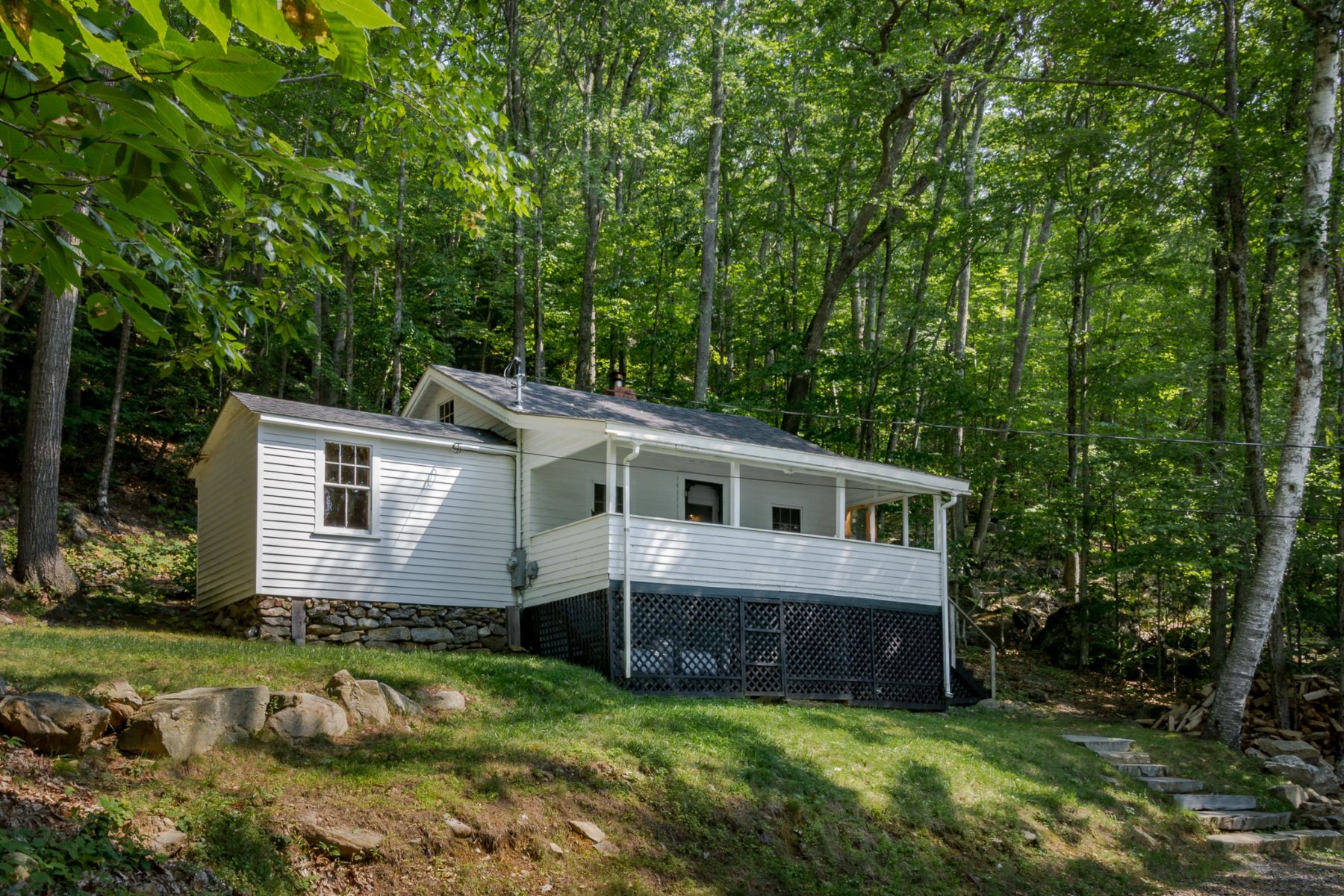 Single Family Home for Sale at 391 Hosmer Pond Road 391 Hosmer Pond Road Camden, Maine 04843 United States