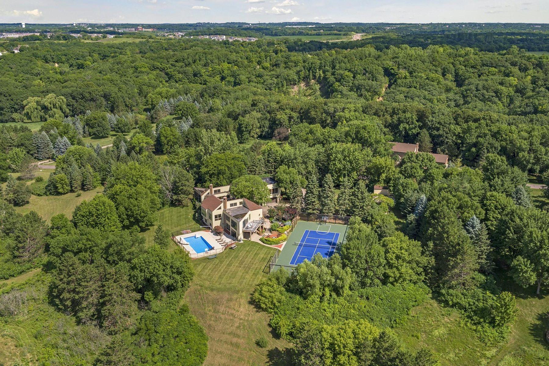 Casa para uma família para Venda às 1181 Hesse Farm Road Chanhassen, Minnesota, 55318 Estados Unidos