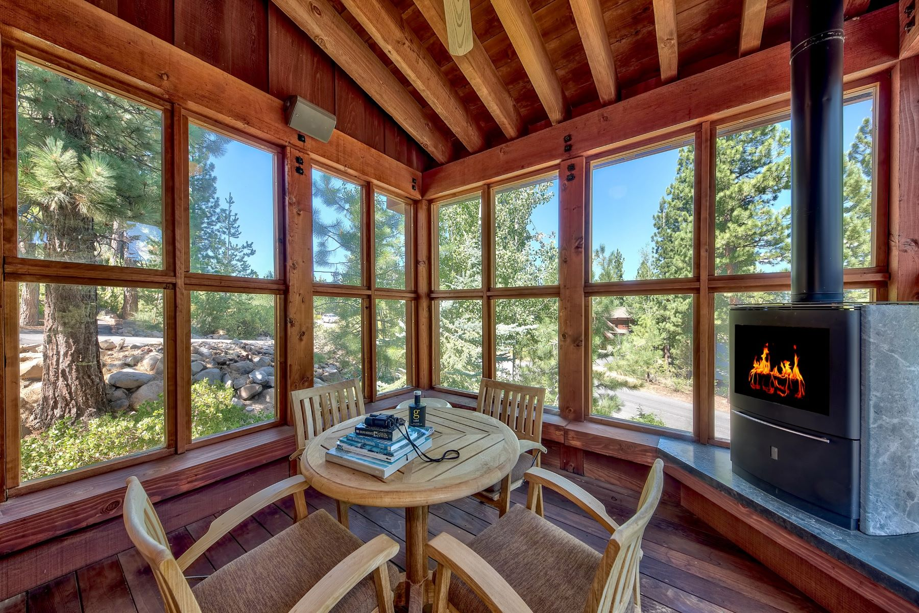 Additional photo for property listing at 1736 Grouse Ridge Road, Truckee 1736 Grouse Ridge Road Truckee, California 96161 United States