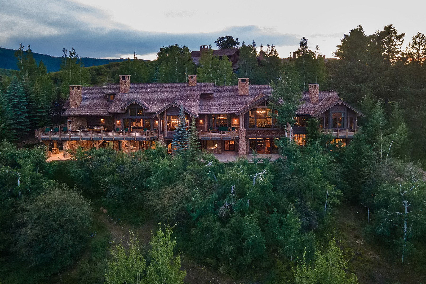 Single Family Homes للـ Sale في Mountaintop luxury residence 168 Peak View, Beaver Creek, Colorado 81620 United States
