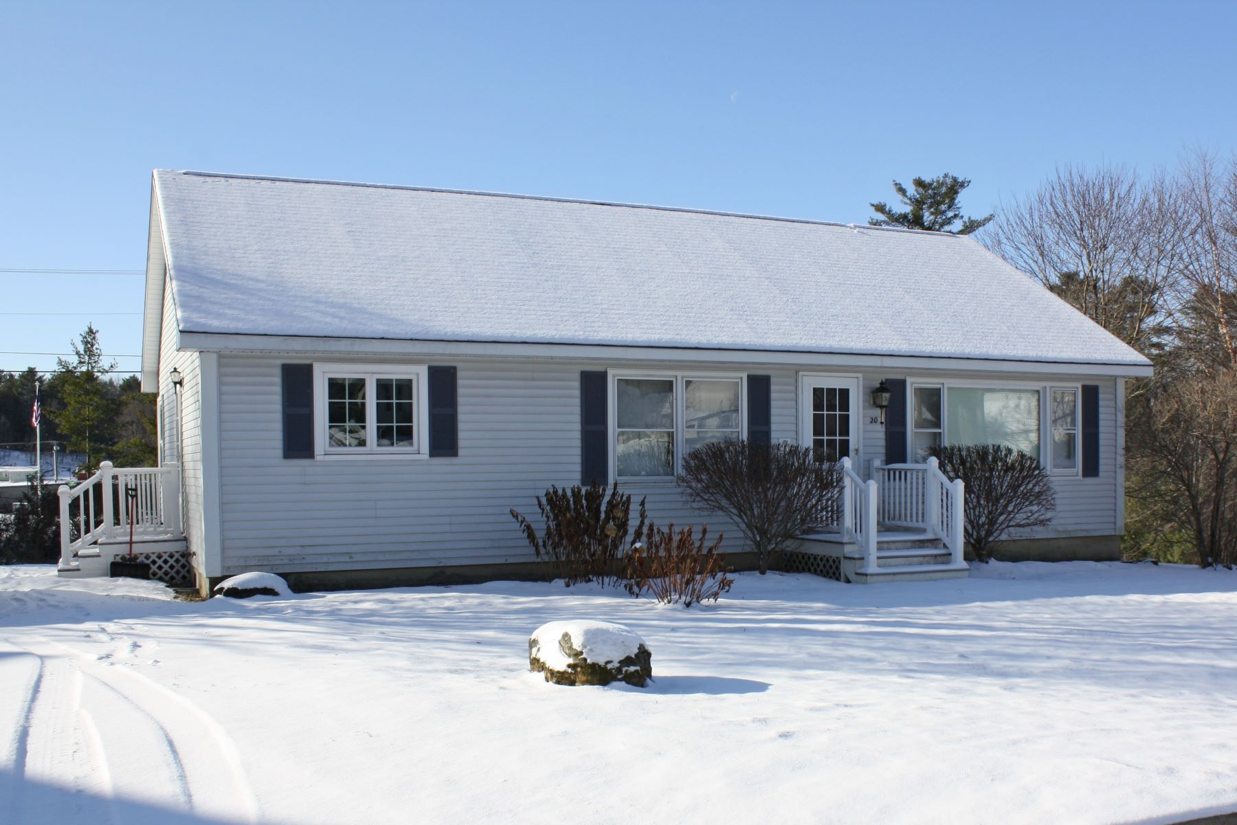 Single Family Homes for Sale at Light filled 3 bedroom well maintained Ranch 20 Stonegate Drive Middlebury, Vermont 05753 United States