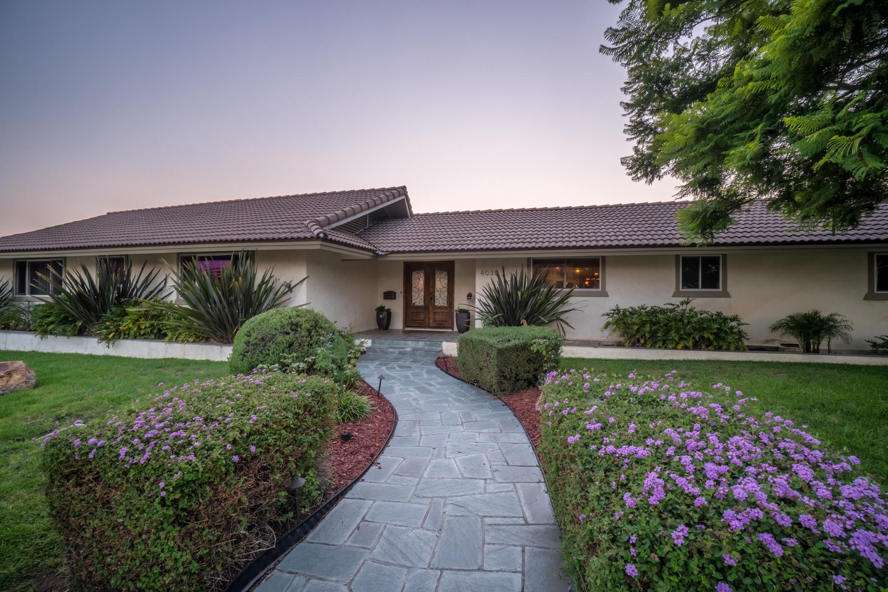 Casa Unifamiliar por un Venta en 4030 Bandini Street 4030 Bandini Street San Diego, California 92103 Estados Unidos