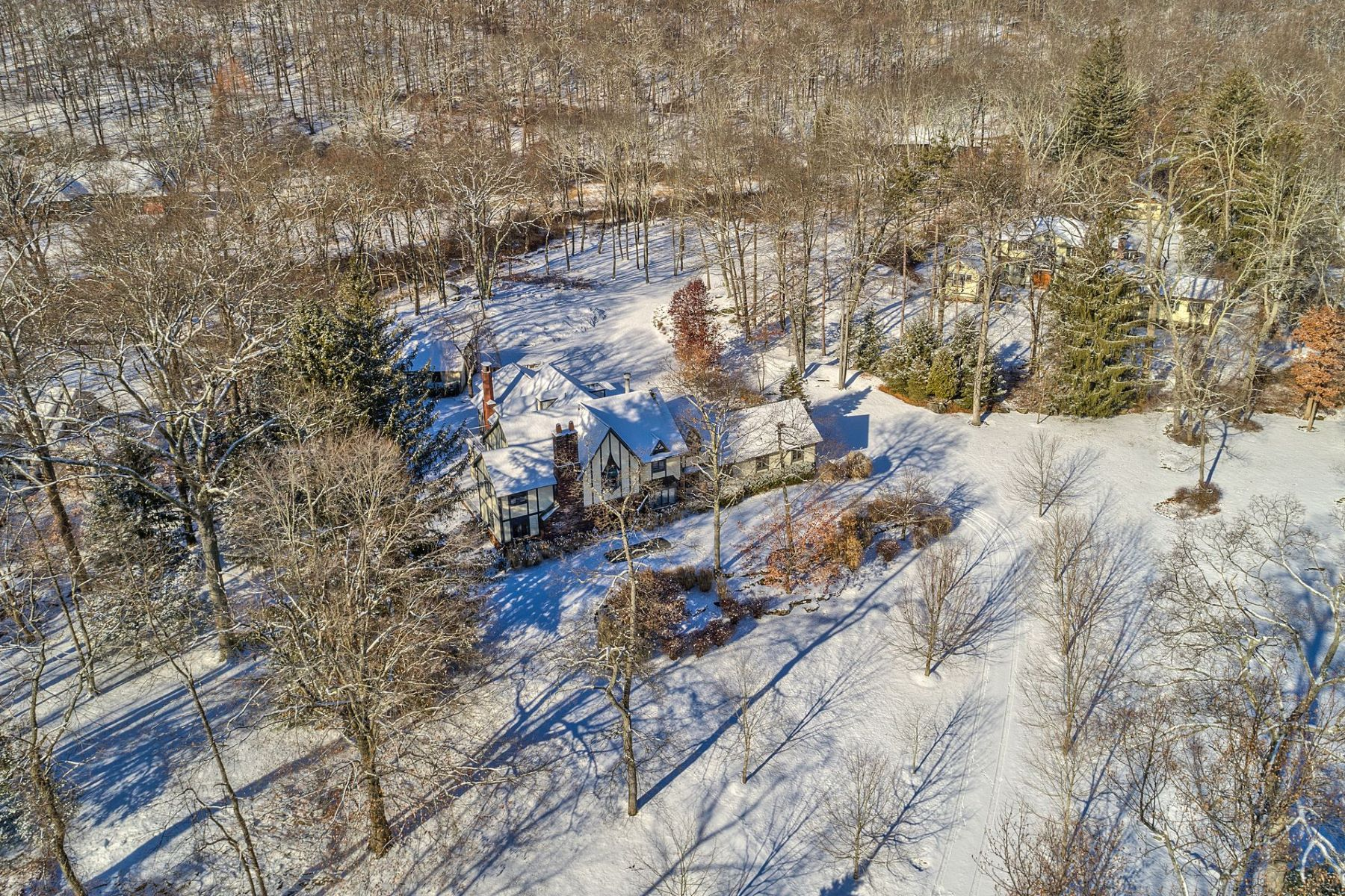 Additional photo for property listing at By Water 102 West Lake Rd Tuxedo Park, New York 10987 United States