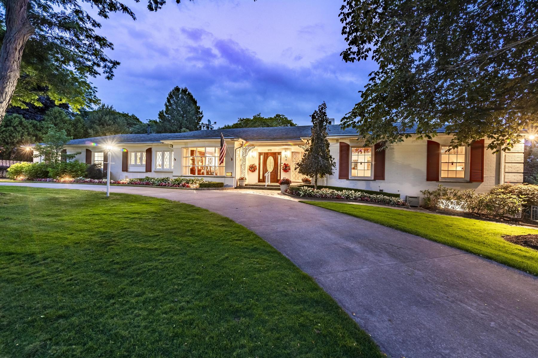 Single Family Homes para Venda às Bloomfield Hills 172 Chesterfield Road, Bloomfield Hills, Michigan 48304 Estados Unidos