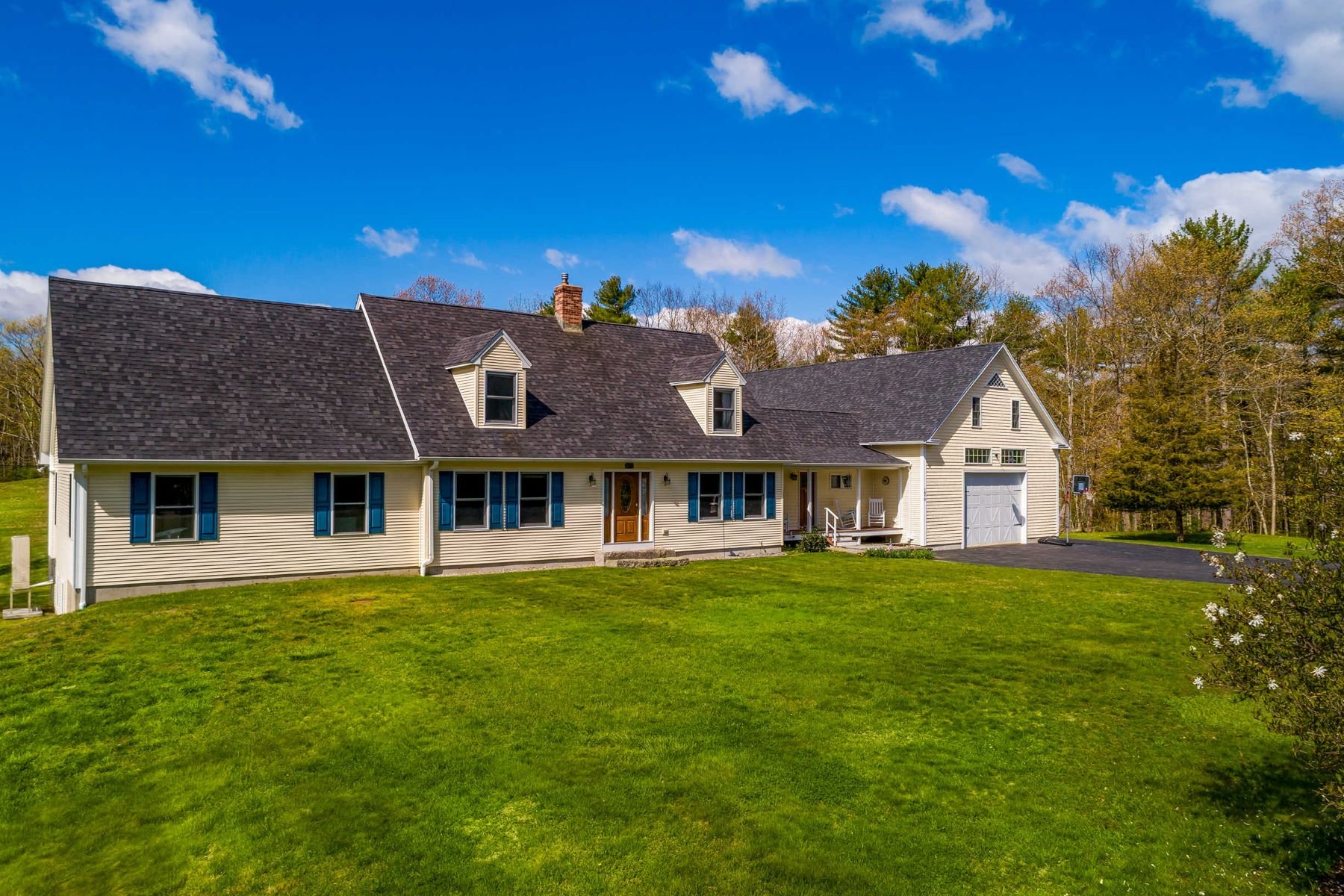 Single Family Homes for Active at Expanded Cape on Picturesque Country-Like Setting 1878 Tatnic Road Wells, Maine 04090 United States