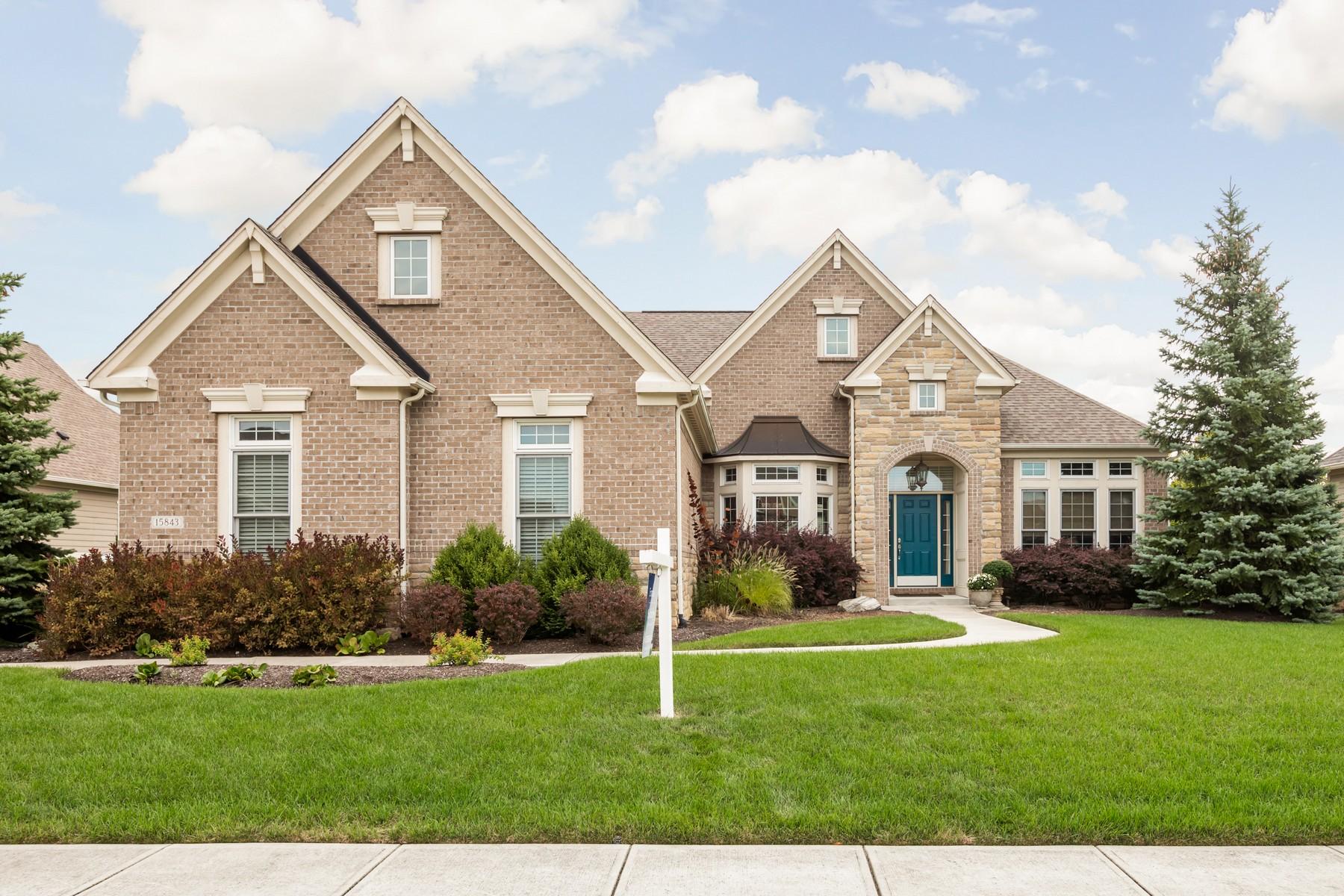 Single Family Homes por un Venta en Handsome Brick Ranch in Westfield 15843 Viking Lair Road, Westfield, Indiana 46074 Estados Unidos