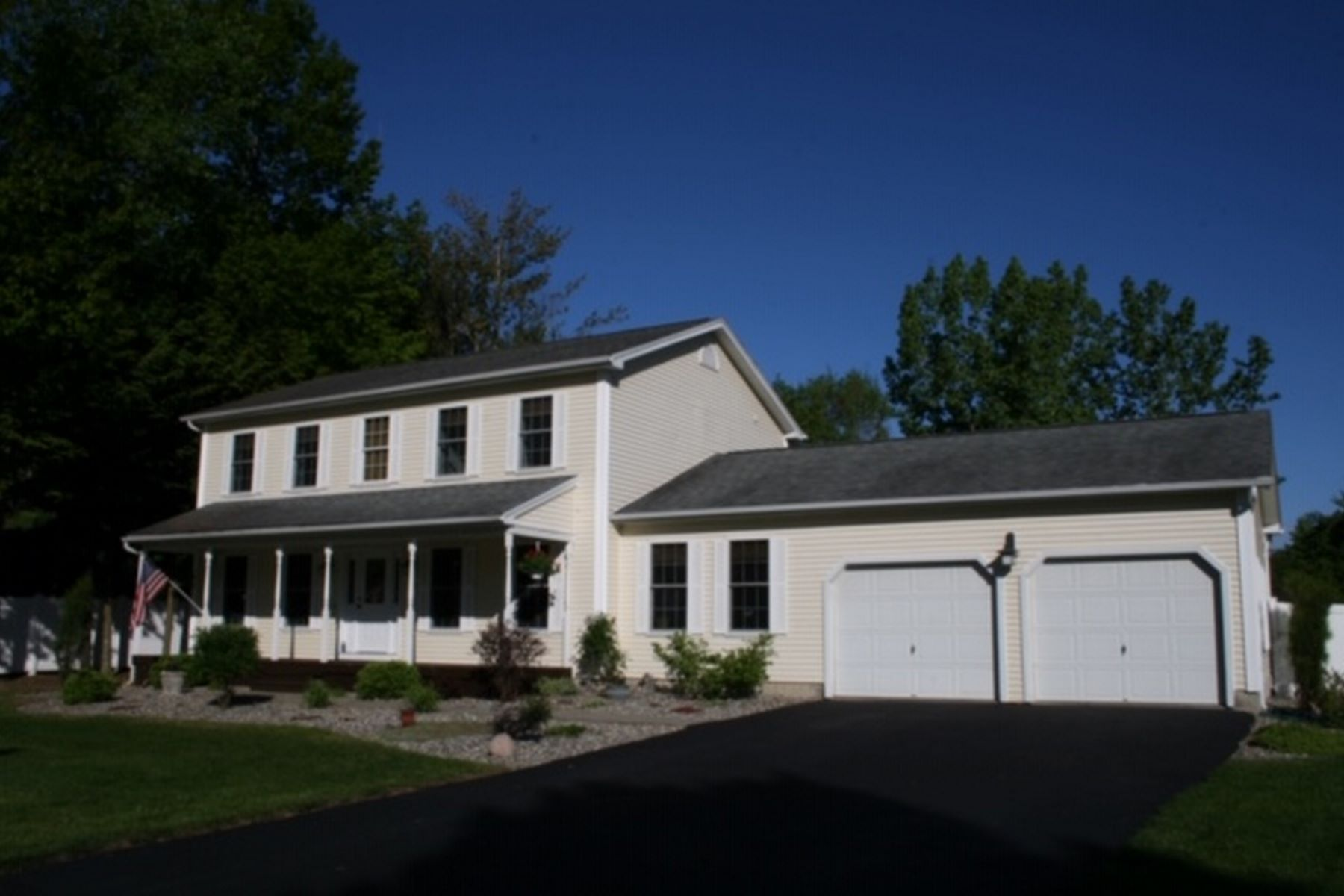 single family homes for Sale at 89 Overlake Drive Drive, Milton 89 Overlake Dr Milton, Vermont 05468 United States