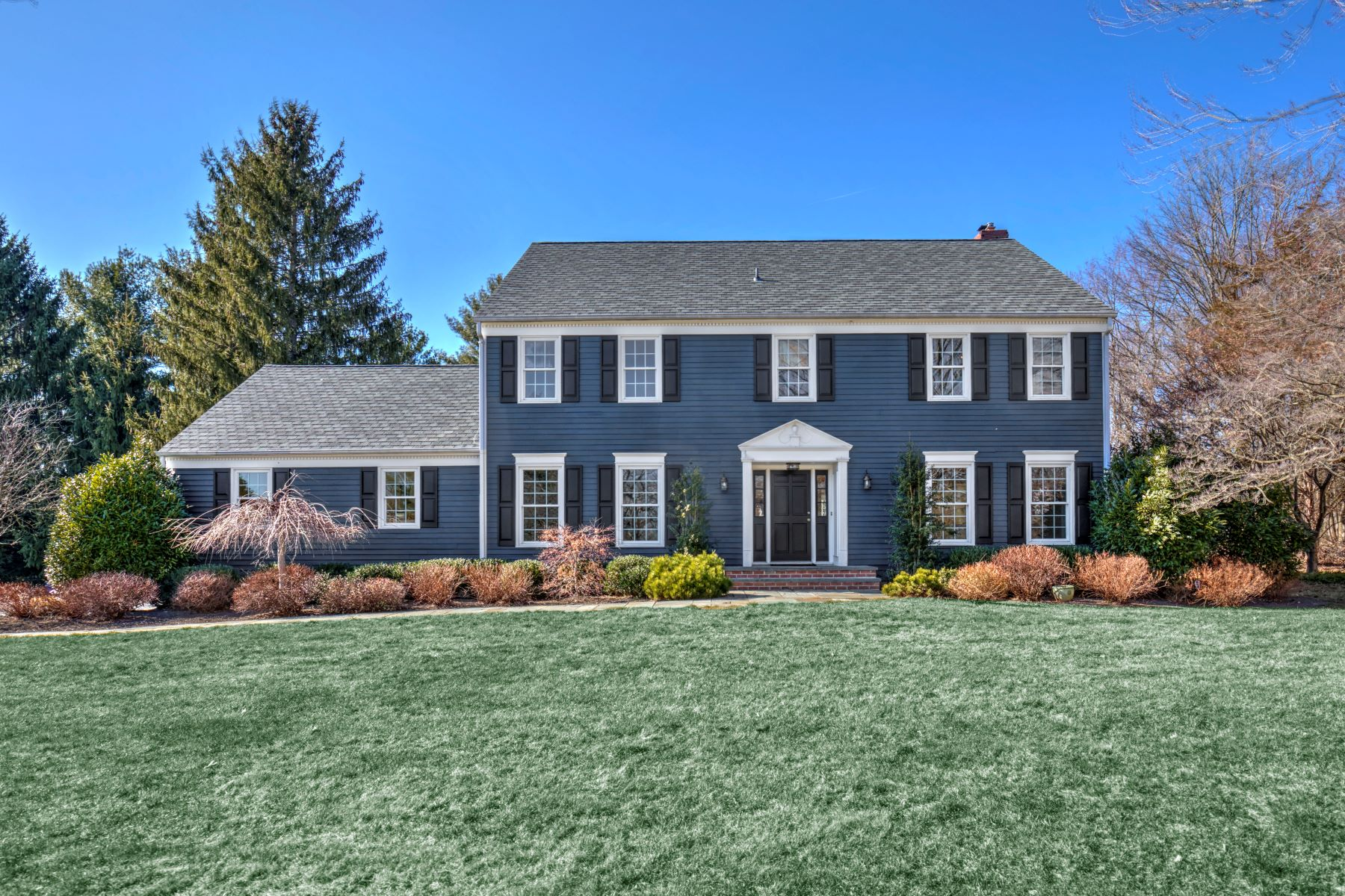 Single Family Homes por un Venta en Exceptional Colonial 4 Carriage Way Basking Ridge, Nueva Jersey 07920 Estados Unidos