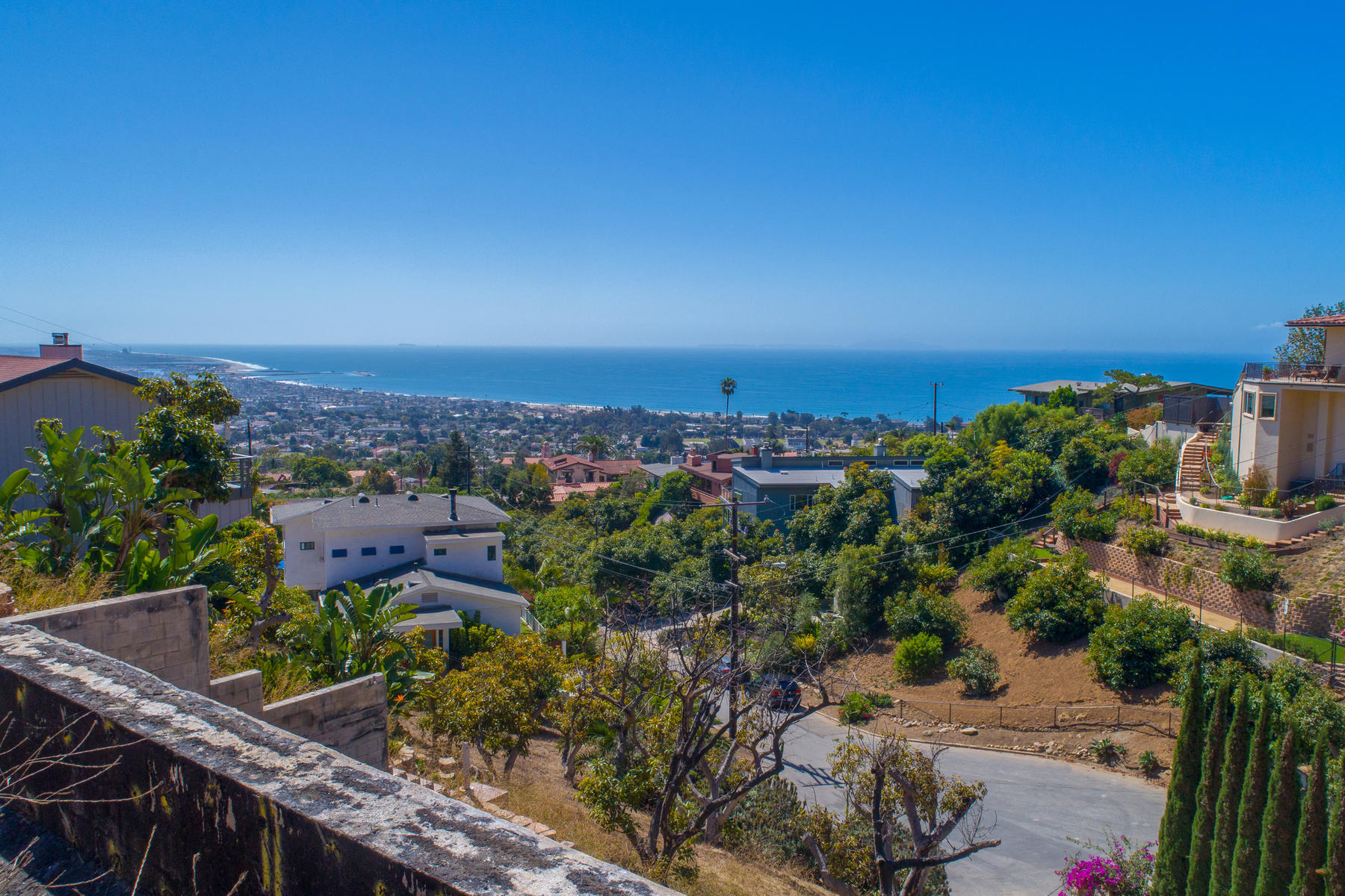 Land for Sale at 498 Manzanita Avenue Ventura, California 93003 United States