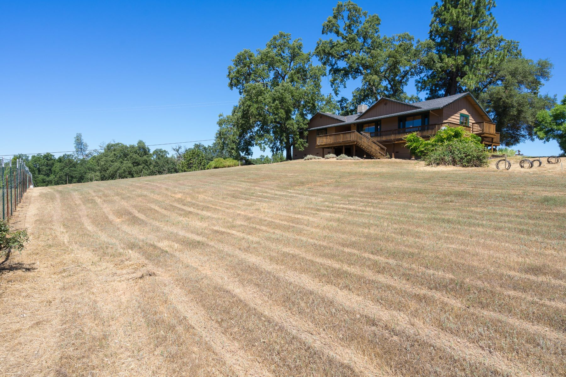 Single Family Home for Active at Ammenties Abound - 5 Rolling Acres 4340 Hollis Lane Mount Aukum, California 95629 United States