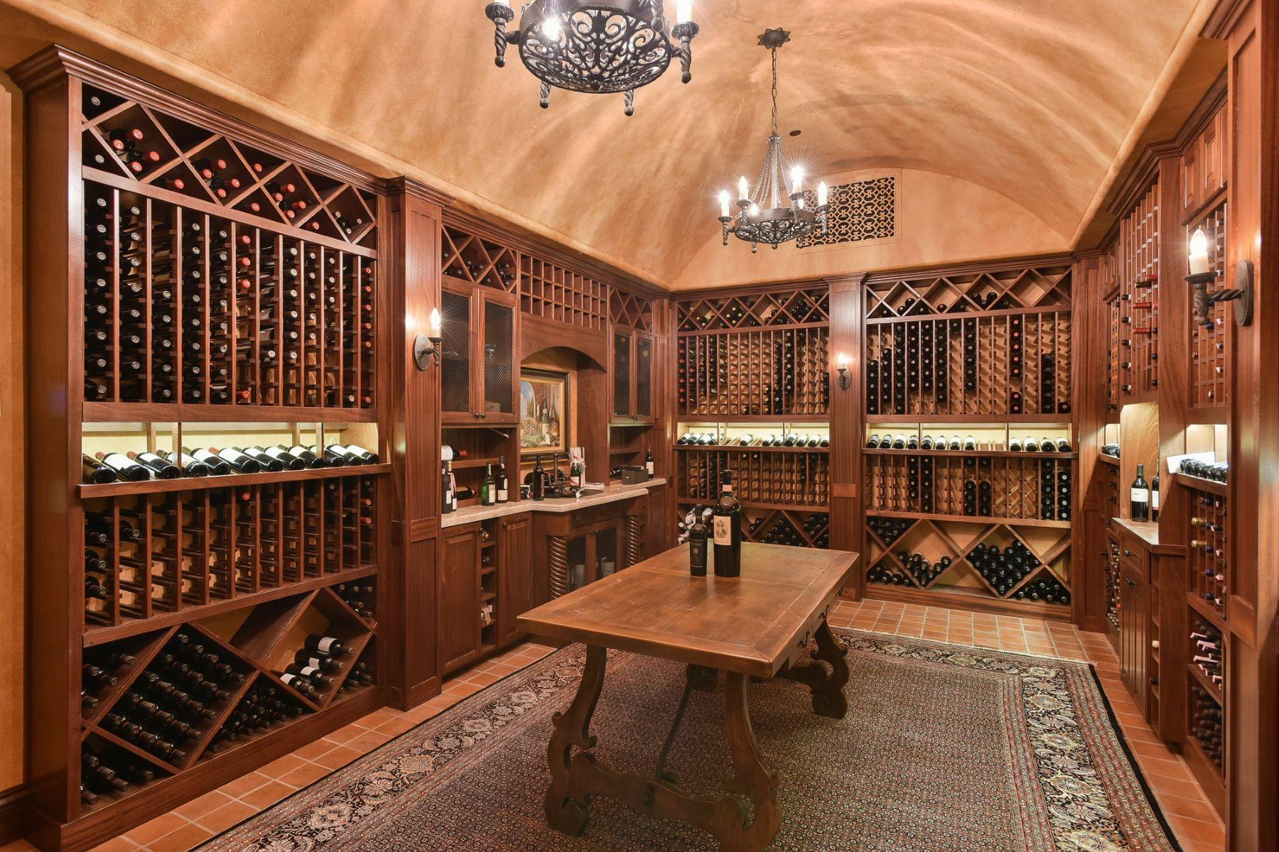 Additional photo for property listing at 6020 El Camino Del Norte Rancho Santa Fe, California 92067 United States