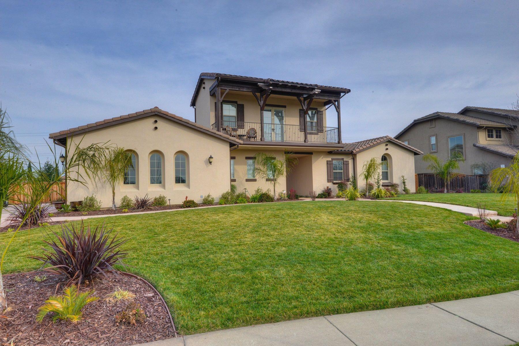 Частный односемейный дом для того Продажа на 8635 Morgan Creek Lane, Roseville, CA 95747 Roseville, Калифорния 95747 Соединенные Штаты
