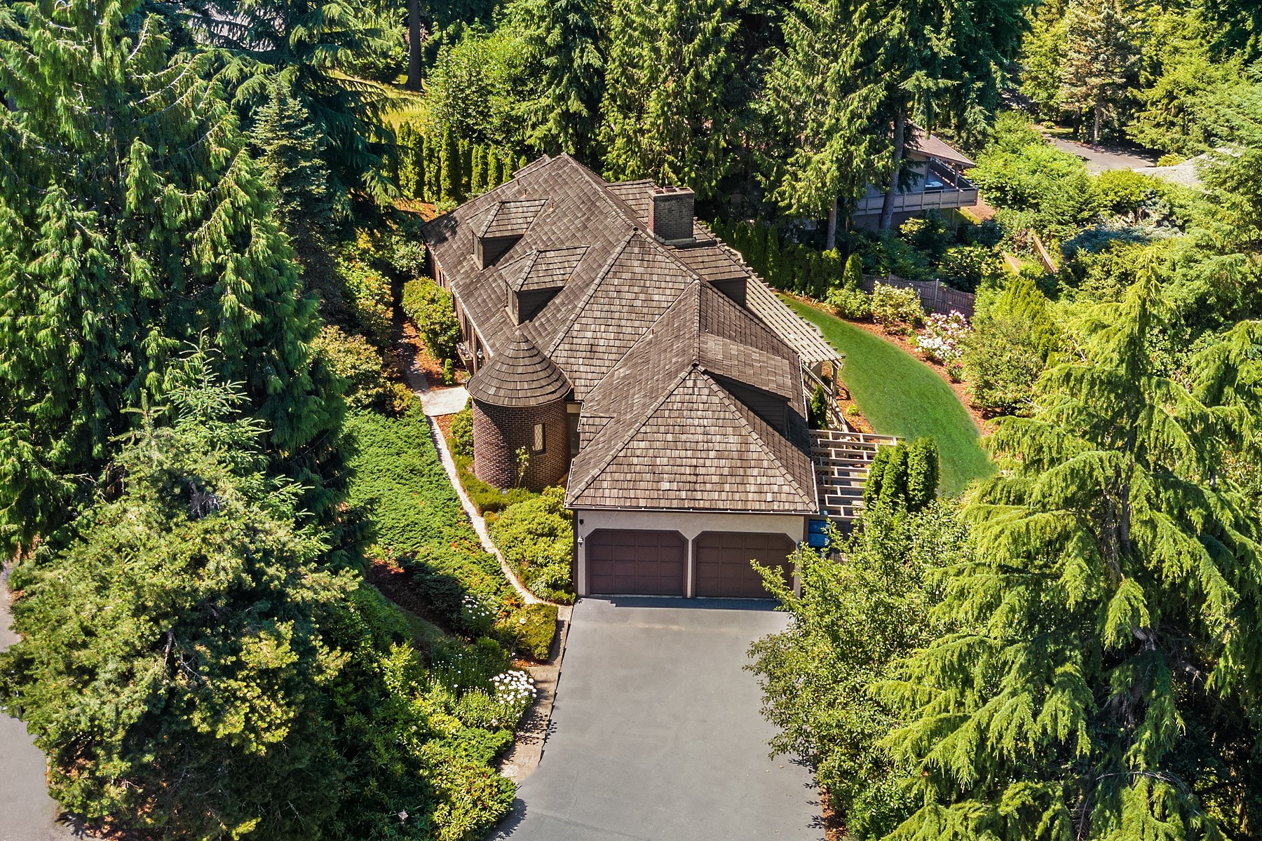 Single Family Home for Sale at Spectacular Mountaintop Estate 5315 153rd Place Bellevue, Washington 98006 United States