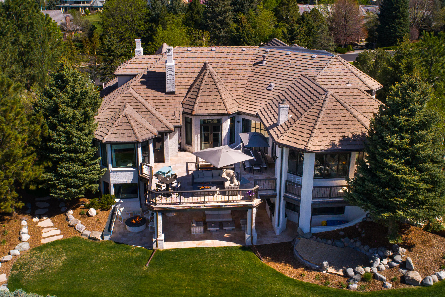 Single Family Home for Active at Timeless Beauty and Captivating Mountain Views 89 Glenmoor Place Cherry Hills Village, Colorado 80113 United States