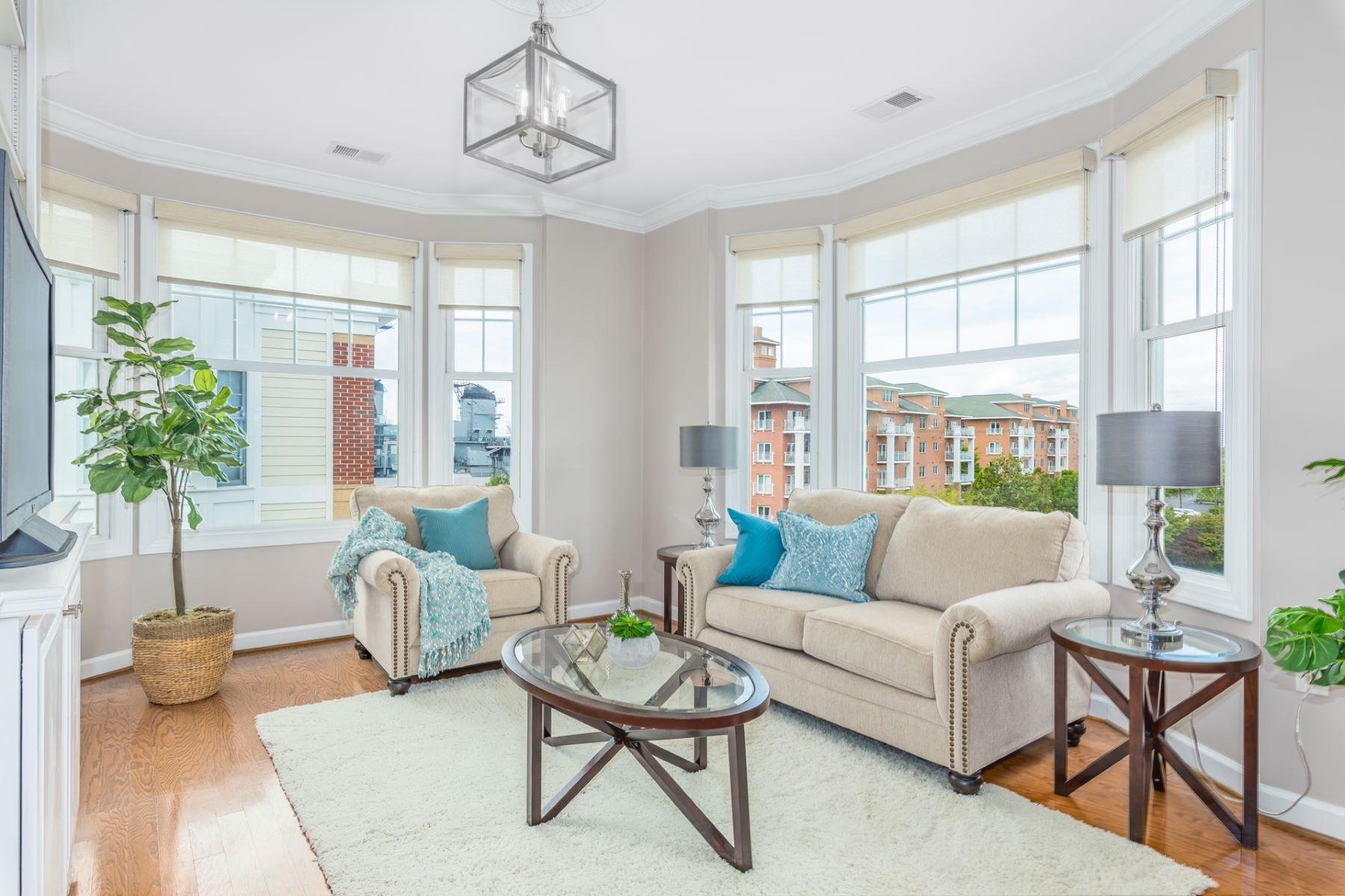 Condominiums por un Venta en River Park 239 Duke Street #406 Norfolk, Virginia 23510 Estados Unidos
