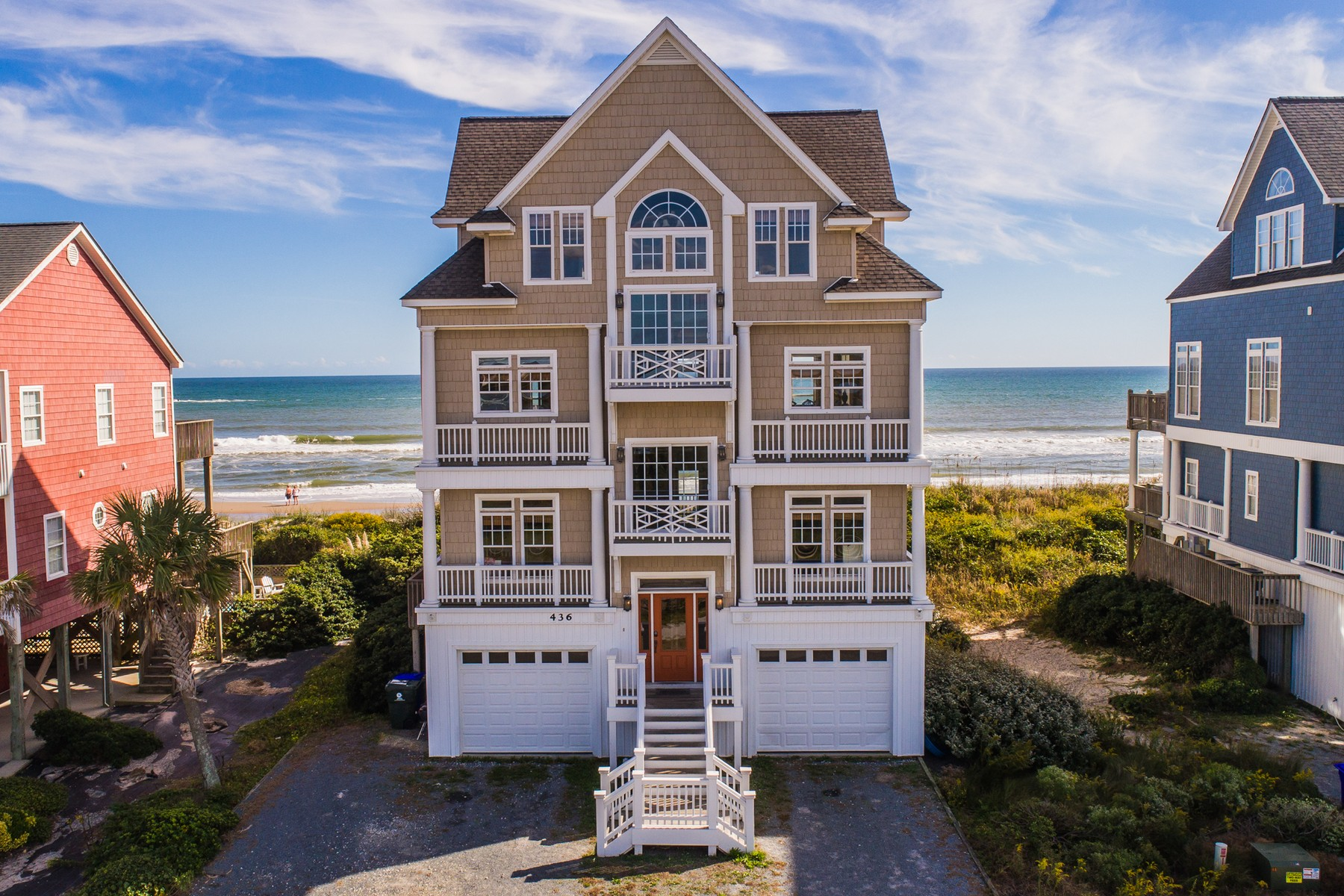 独户住宅 为 销售 在 Majestic Oceanfront Living 436 New River Inlet Road, N Topsail Beach, 北卡罗来纳州, 28460 美国