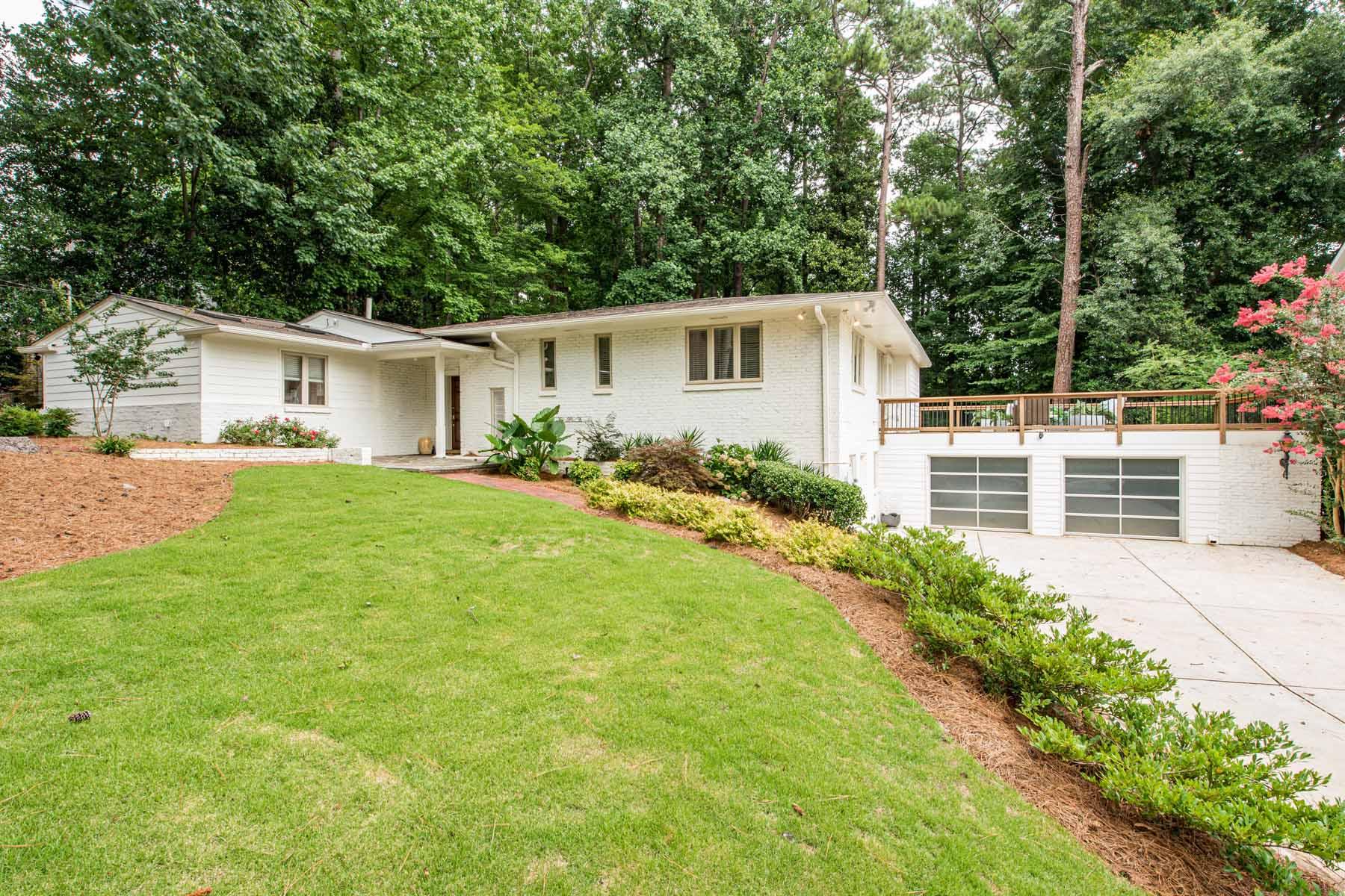 Single Family Homes для того Продажа на Renovated Mid-Century Modern in Brookhaven 4091 Peachtree Dunwoody Road NE, Atlanta, Джорджия 30342 Соединенные Штаты