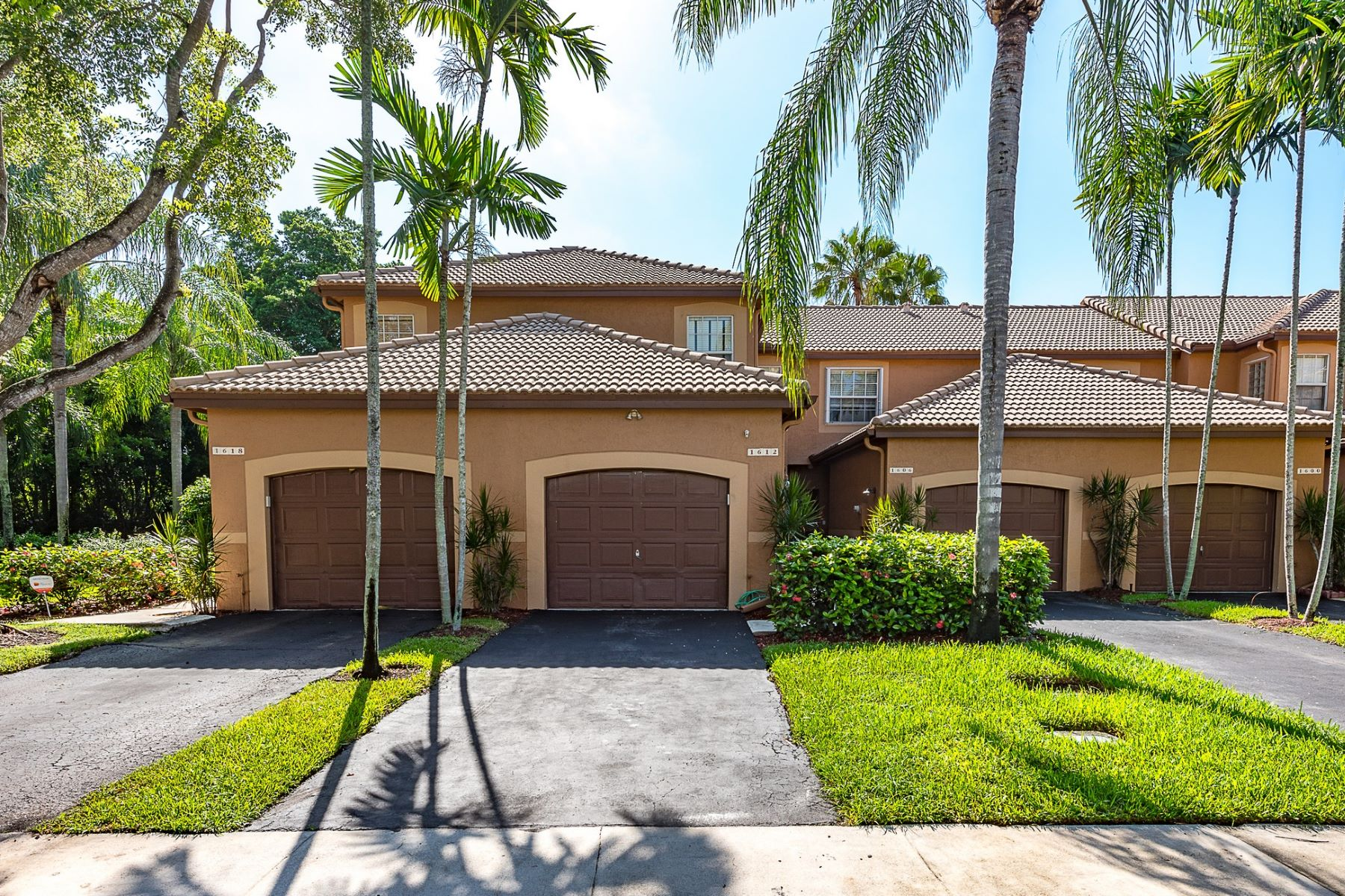 Residência urbana para Locação às 1612 Veracruz Lane Weston, Florida 33327 Estados Unidos