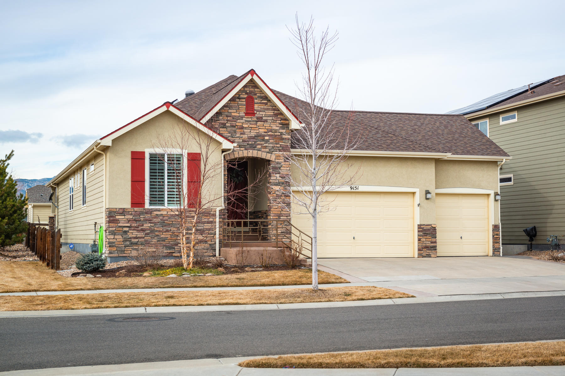 Single Family Homes のために 売買 アット Main Floor Living at its Finest! 9151 Fig Street Arvada, コロラド 80005 アメリカ