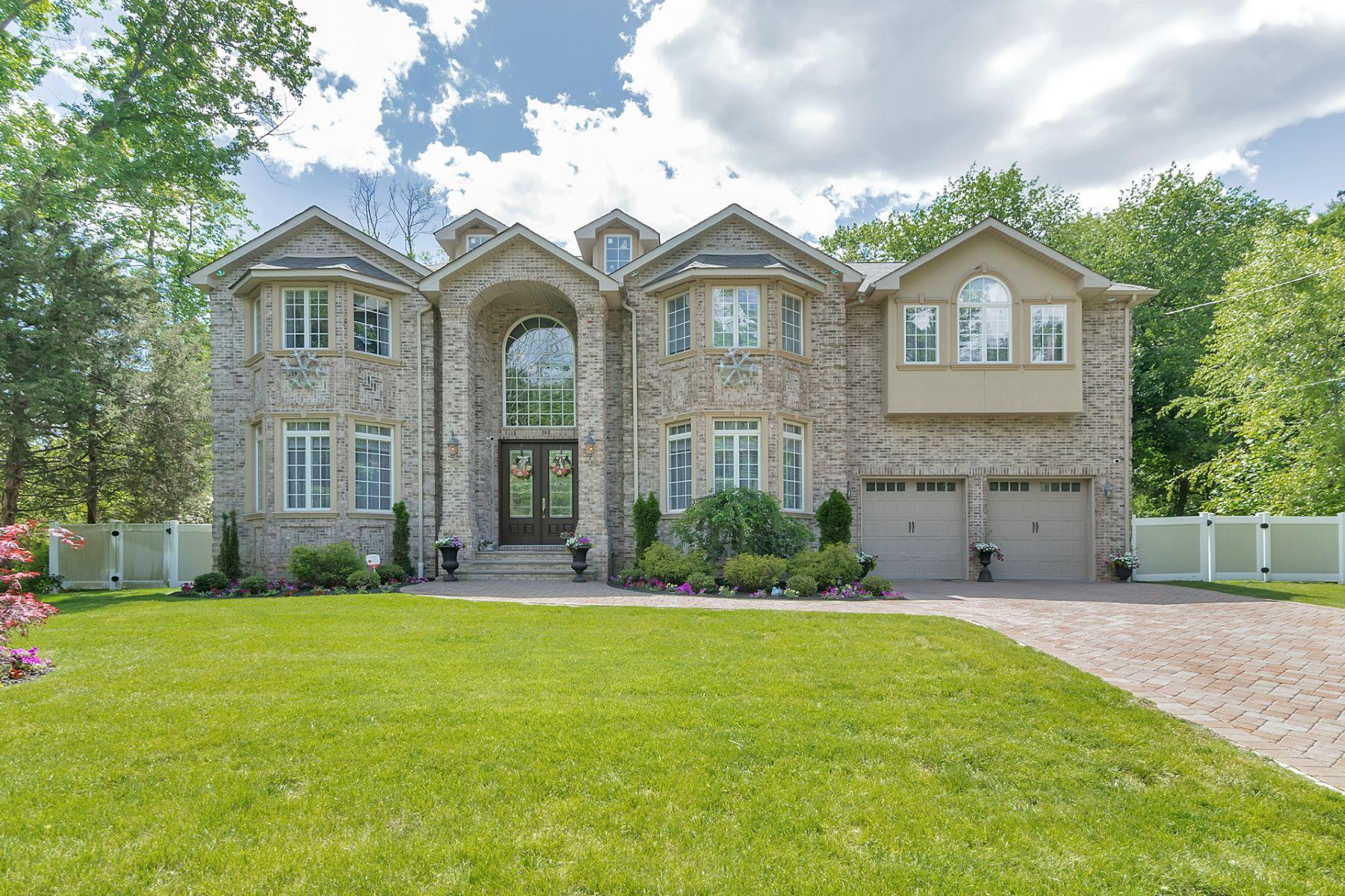 Maison unifamiliale pour l Vente à Custom Built Colonial 78 Highland Avenue, Harrington Park, New Jersey 07640 États-Unis