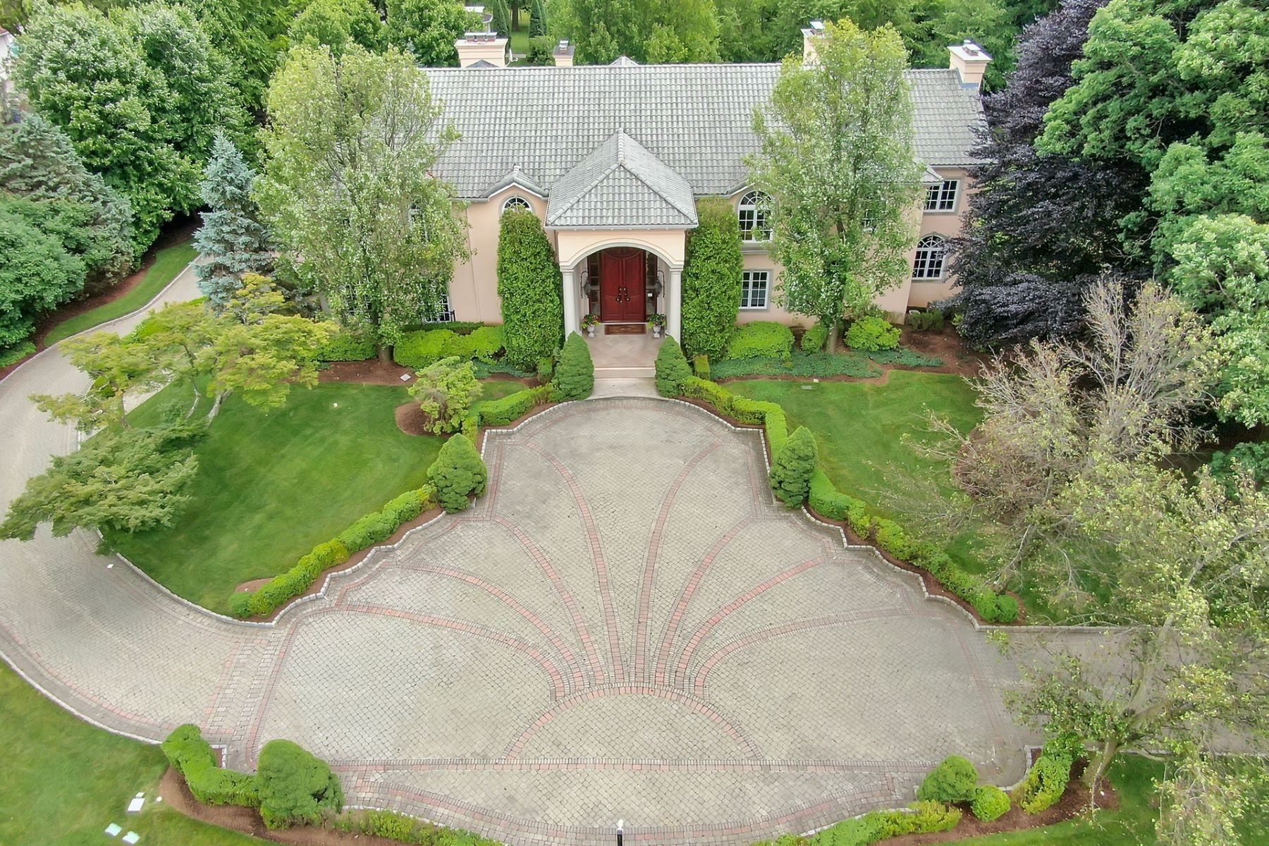 Single Family Homes vì Bán tại Englewood, New Jersey 07631 Hoa Kỳ