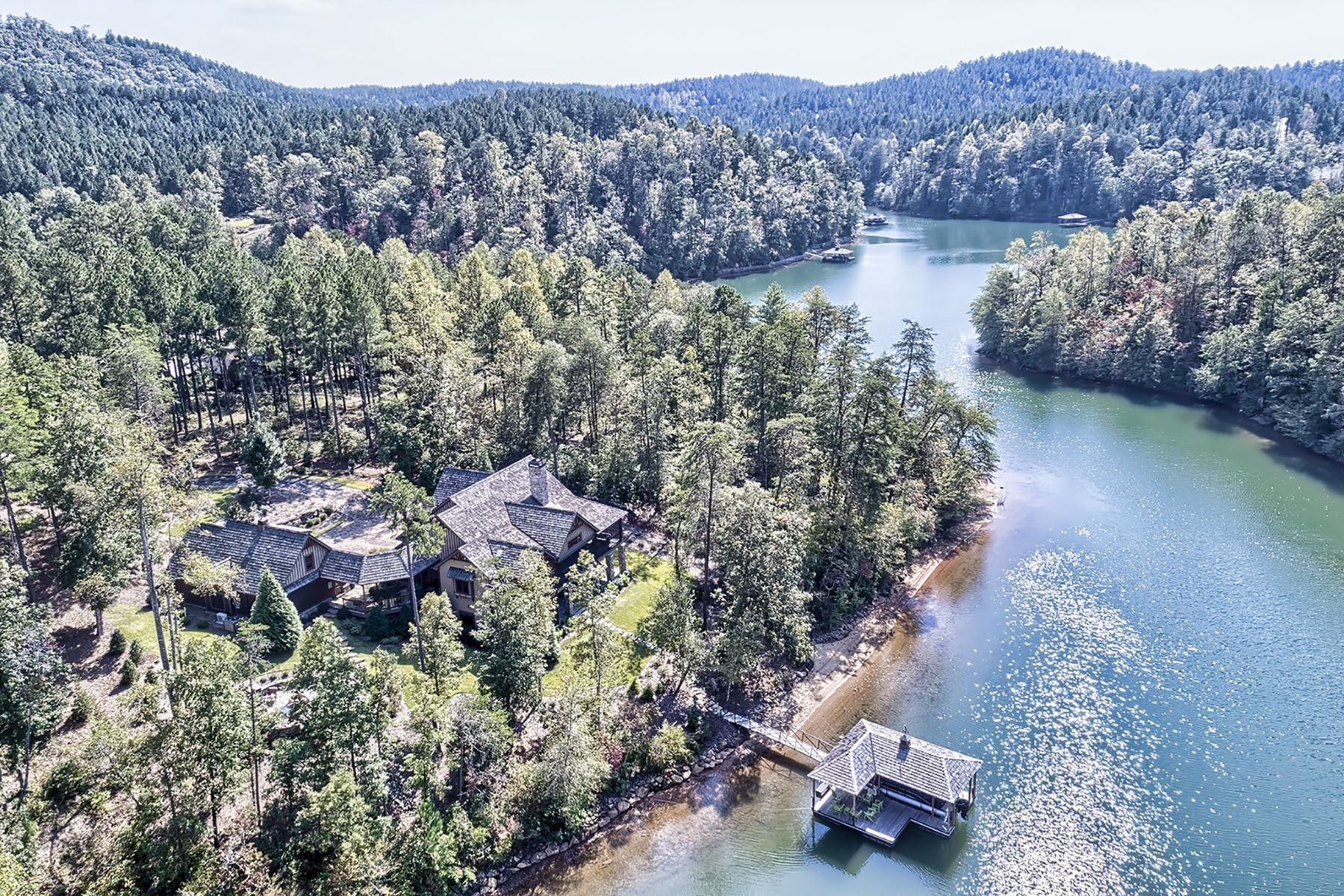 独户住宅 为 销售 在 Turn-Key Lake Home 308 Crooked Rock Lane, The Reserve At Lake Keowee, Sunset, 南卡罗来纳州, 29685 美国