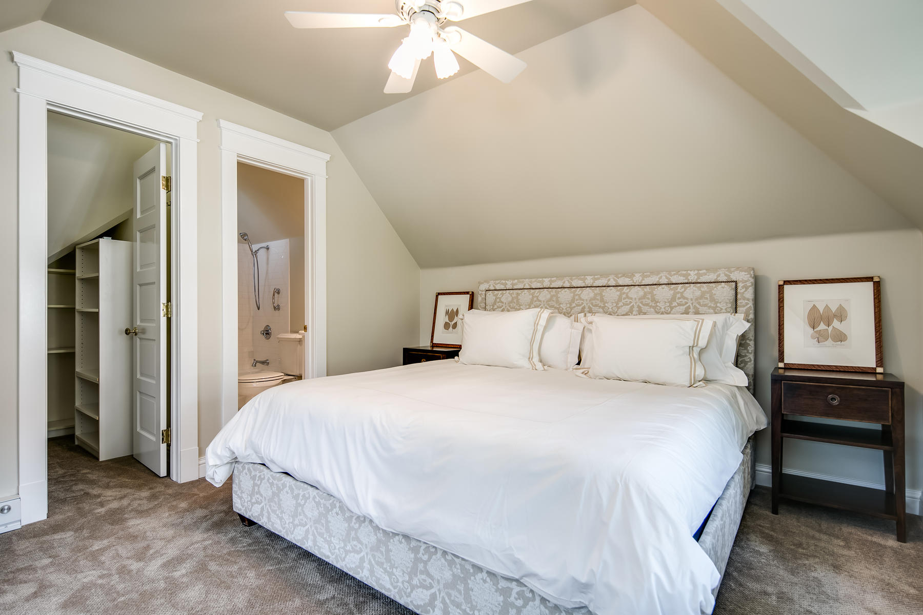 Additional photo for property listing at How Wonderful Would It Be To Live Here?! 1700 East 3rd Avenue Denver, Colorado 80218 United States