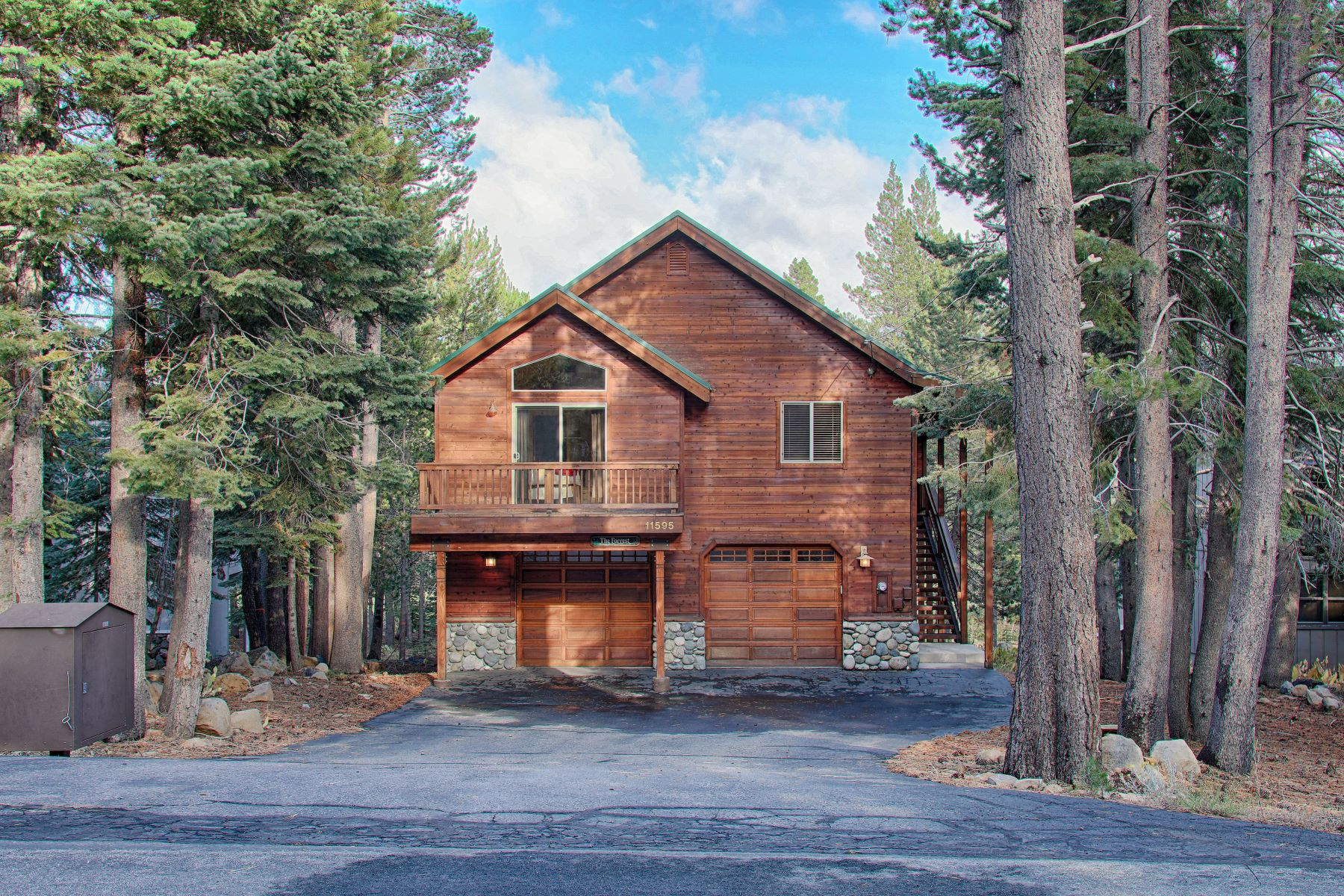 Additional photo for property listing at 11595 Norse Ave., Truckee 11595 Norse Ave. Truckee, California 96161 United States