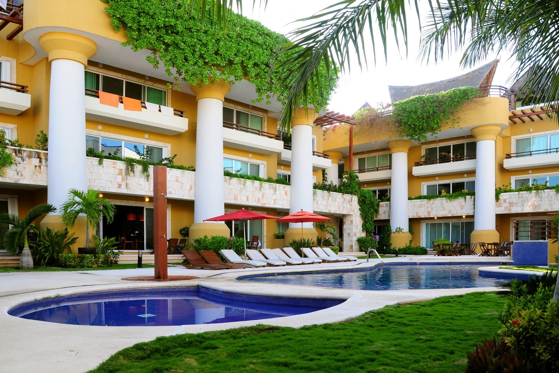 Additional photo for property listing at PUEBLITO ESCONDIDO PRIVILEGED LOCATION Pueblito Escondido privileged location Lote 2 Mza 8 SM 0, calle treinta y ocho norte Playa Del Carmen, Quintana Roo 77710 Mexico