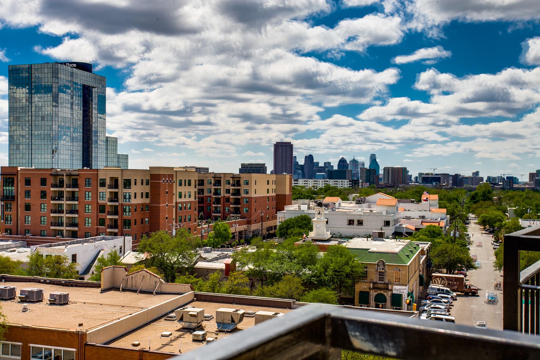 Condominiums للـ Sale في Beautiful High-Rise Condo Soaring Above Knox Street with Picturesque Views 4611 Travis Street #801B, Dallas, Texas 75205 United States